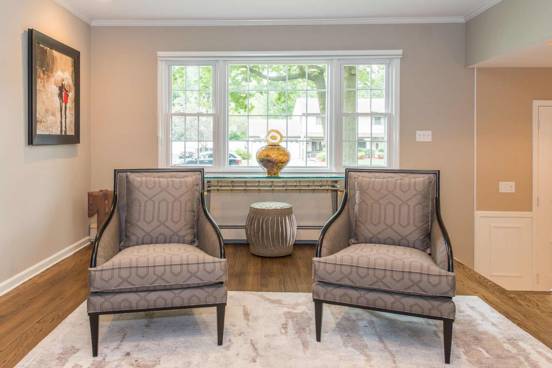 Single Family Homes for Sale at Well Appointed Colonial on Cul-de-Sac 6 Lisa Place Montville, New Jersey 07045 United States