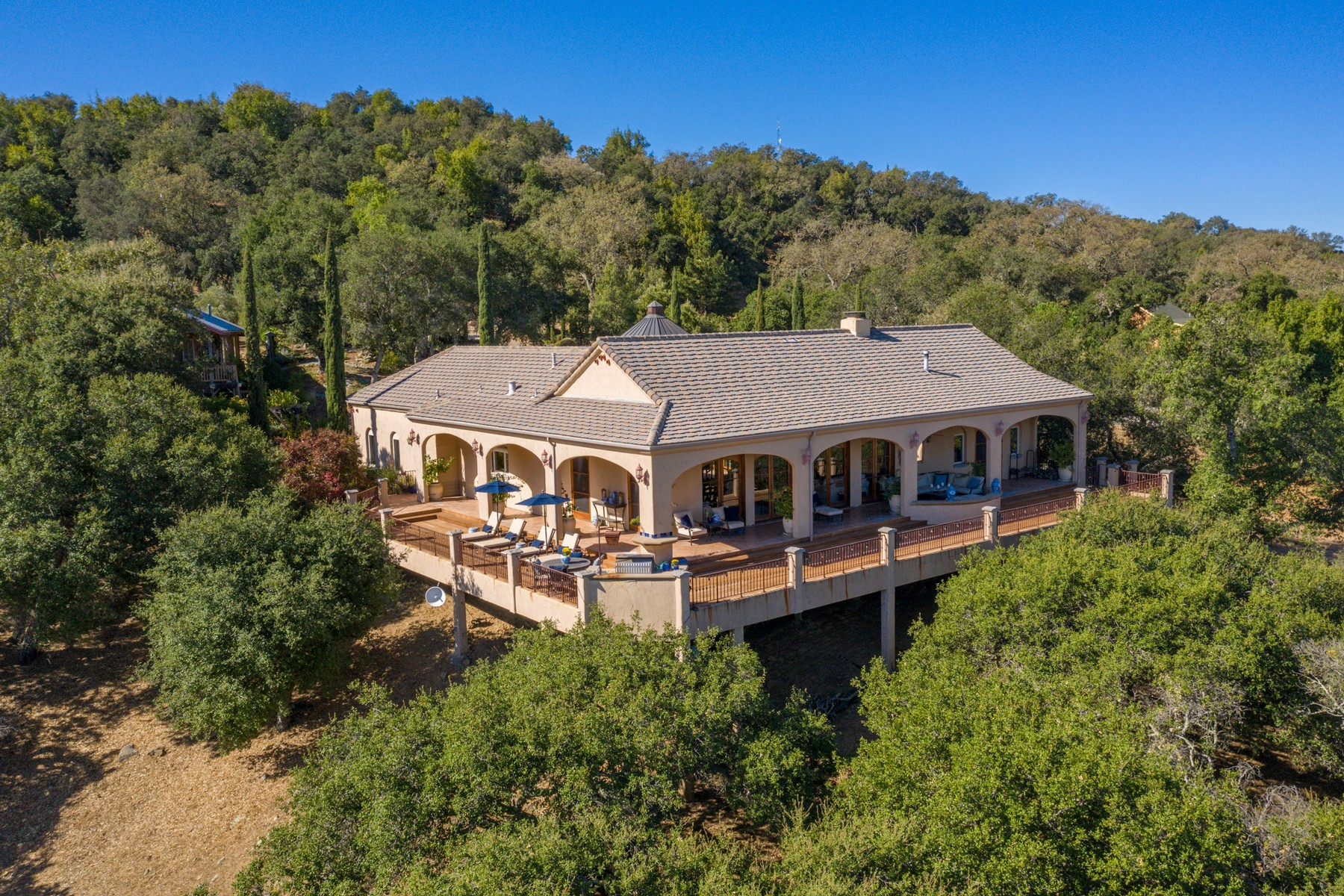 Single Family Homes for Sale at Private Estate with Guest House in Wine Country 3560 Sibley Lane Templeton, California 93465 United States