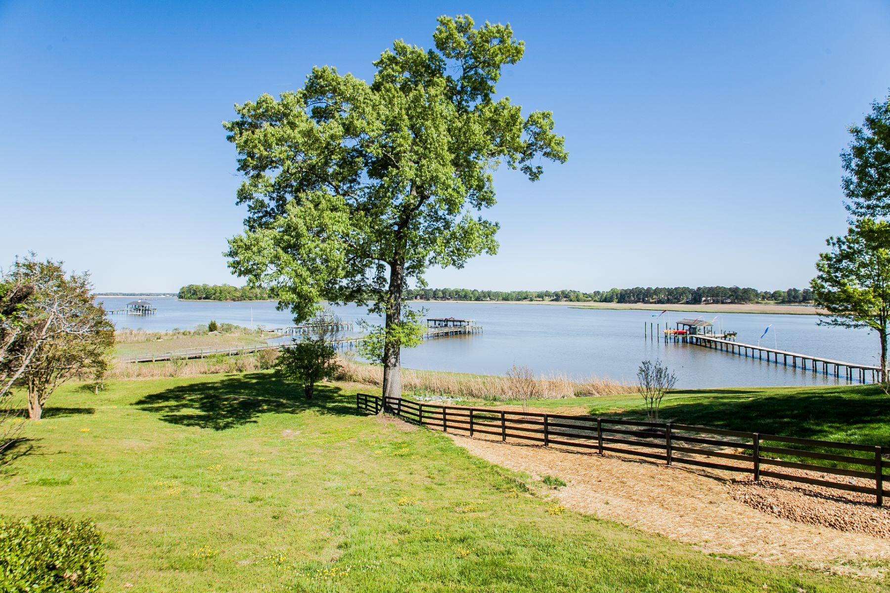 Single Family Home for Sale at River Oaks 261 River Oaks Ln Smithfield, Virginia 23430 United States