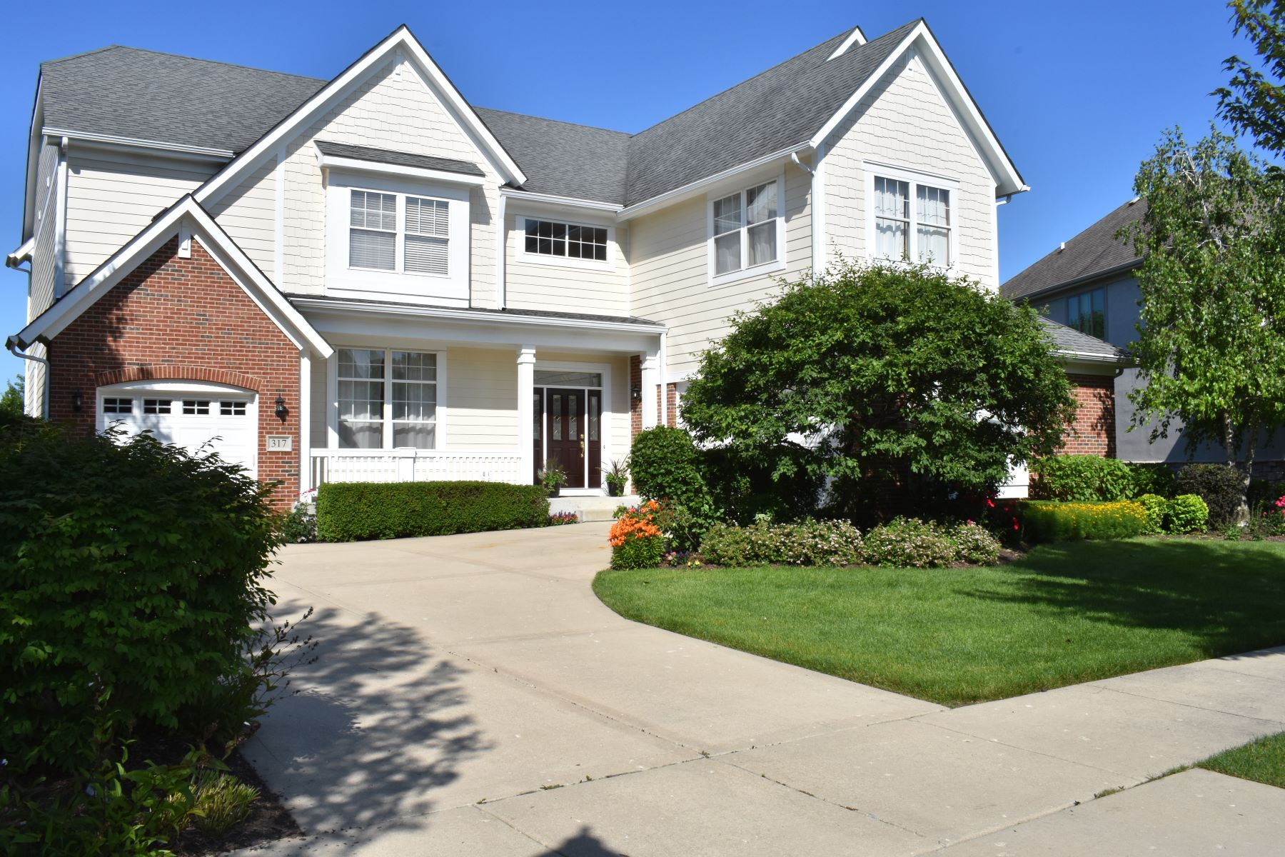Single Family Home for Sale at 317 Colonial Drive, Vernon Hills, IL 60061 317 Colonial Drive Vernon Hills, Illinois 60061 United States