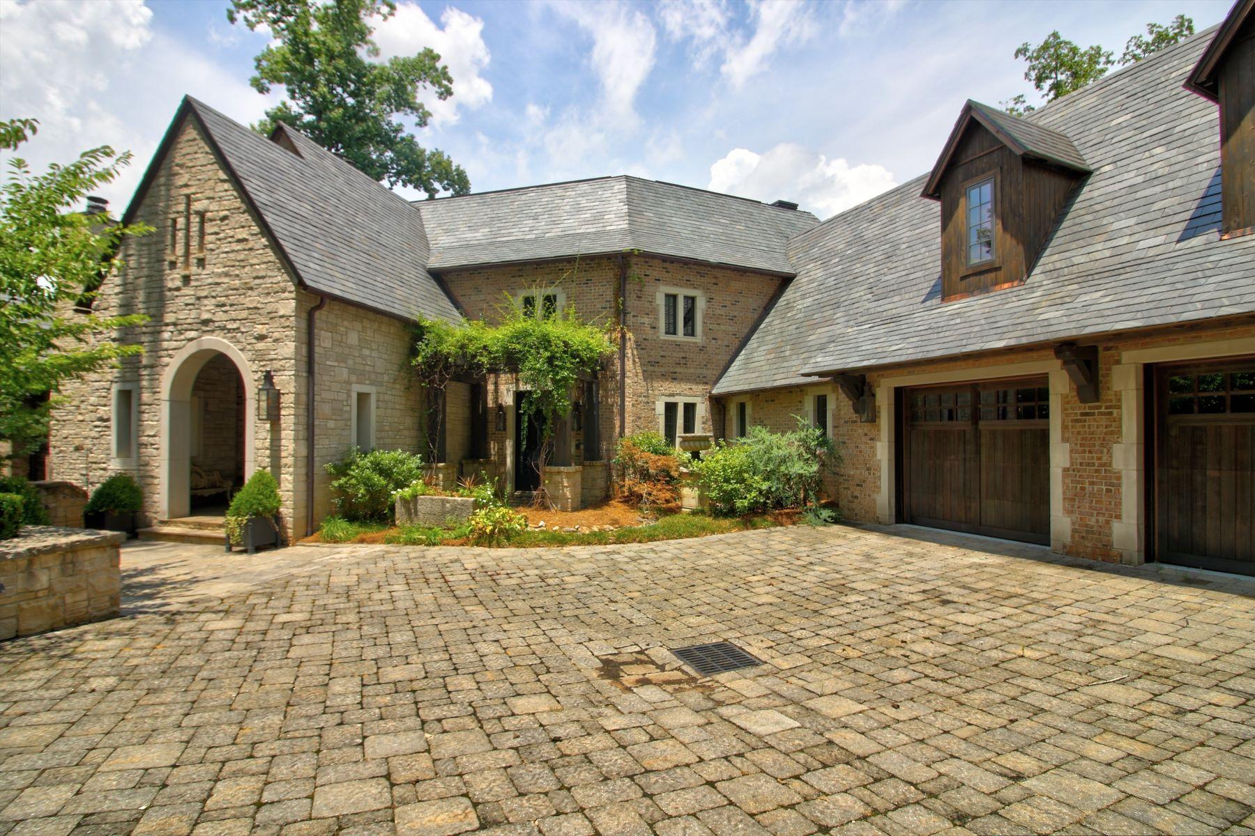 Property pour l Vente à Exceptional Lake House 133 Leaping Brook Way, Six Mile, Caroline du Sud 29682 États-Unis