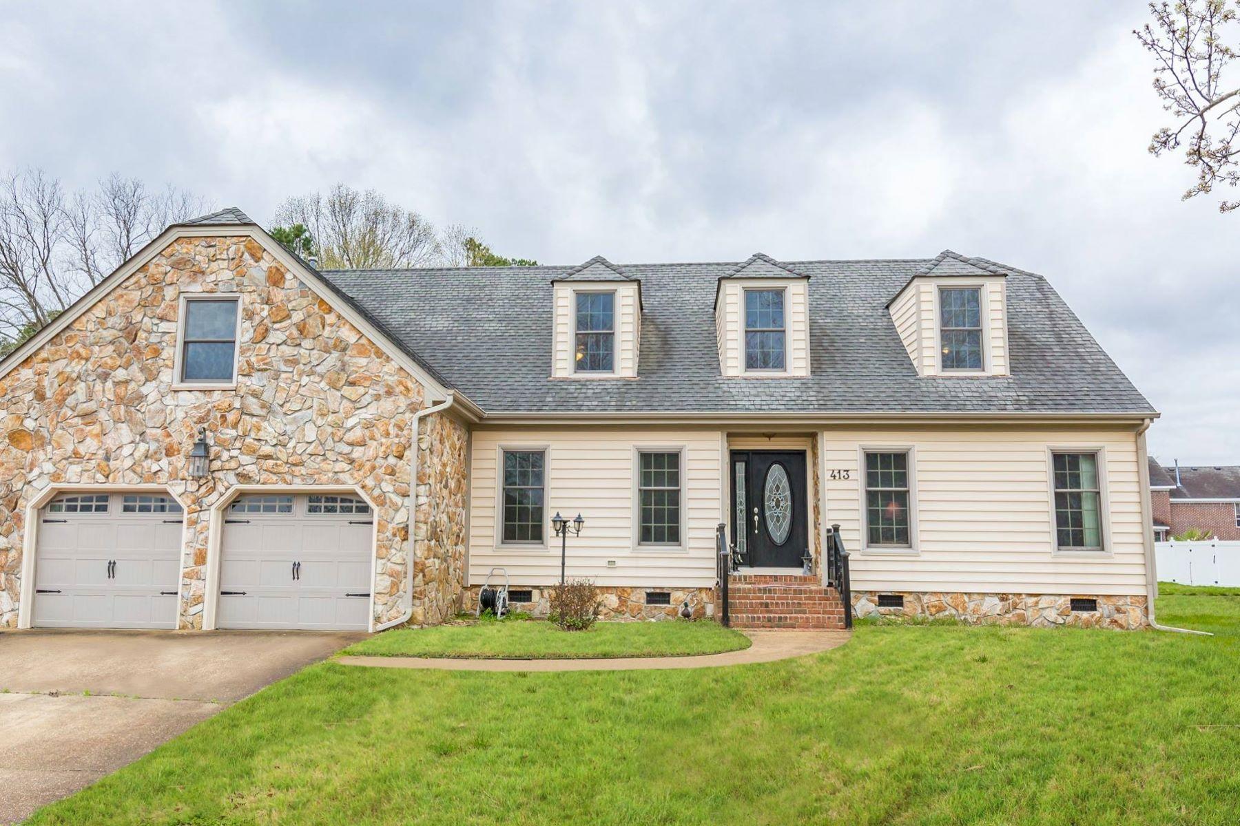 Single Family Homes pour l Vente à 413 Pleasant Point Drive Norfolk, Virginia 23502 États-Unis
