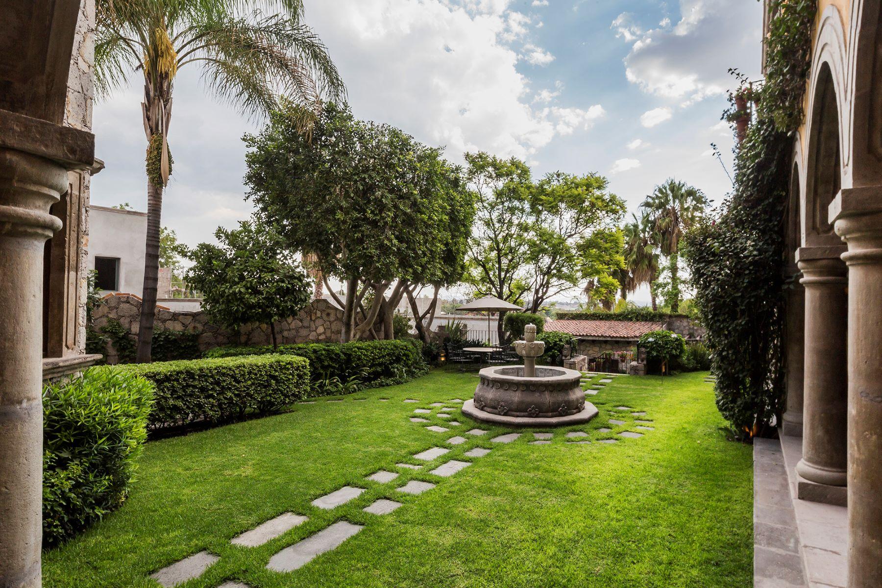 Additional photo for property listing at CASA DORADO Recreo San Miguel De Allende, Guanajuato 37700 Mexico