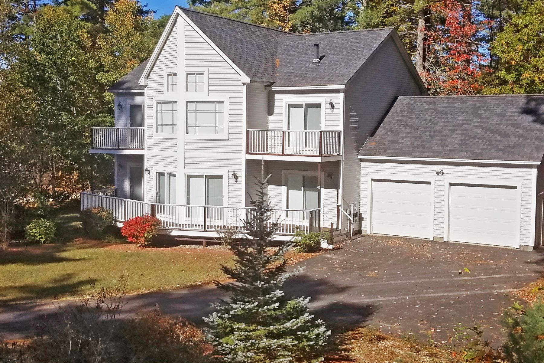 Maison unifamiliale pour l Vente à 94 Emerald Point Road, Wakefield 94 Emerald Point Rd Wakefield, New Hampshire 03830 États-Unis