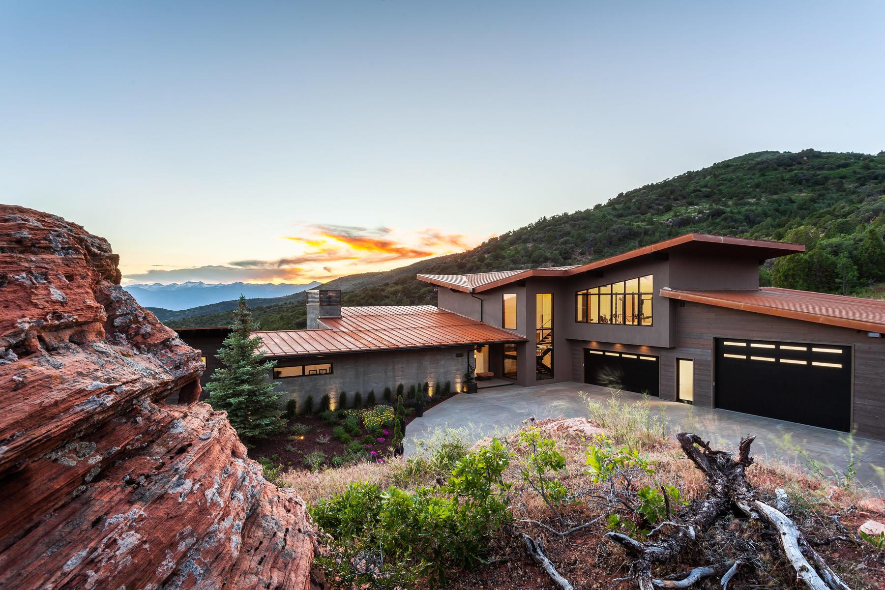 Single Family Homes för Försäljning vid Personal Custom Mountain Contemporary Home 8685 E Lake Creek Rd, Heber City, Utah 84032 Förenta staterna