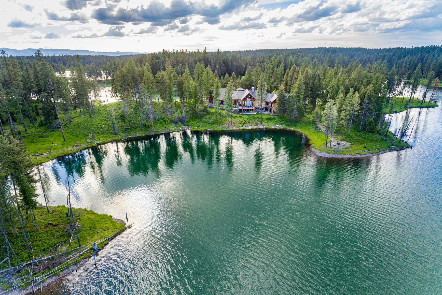 Single Family Homes for Active at 330 Echoing Jewel Road Bigfork, Montana 59911 United States
