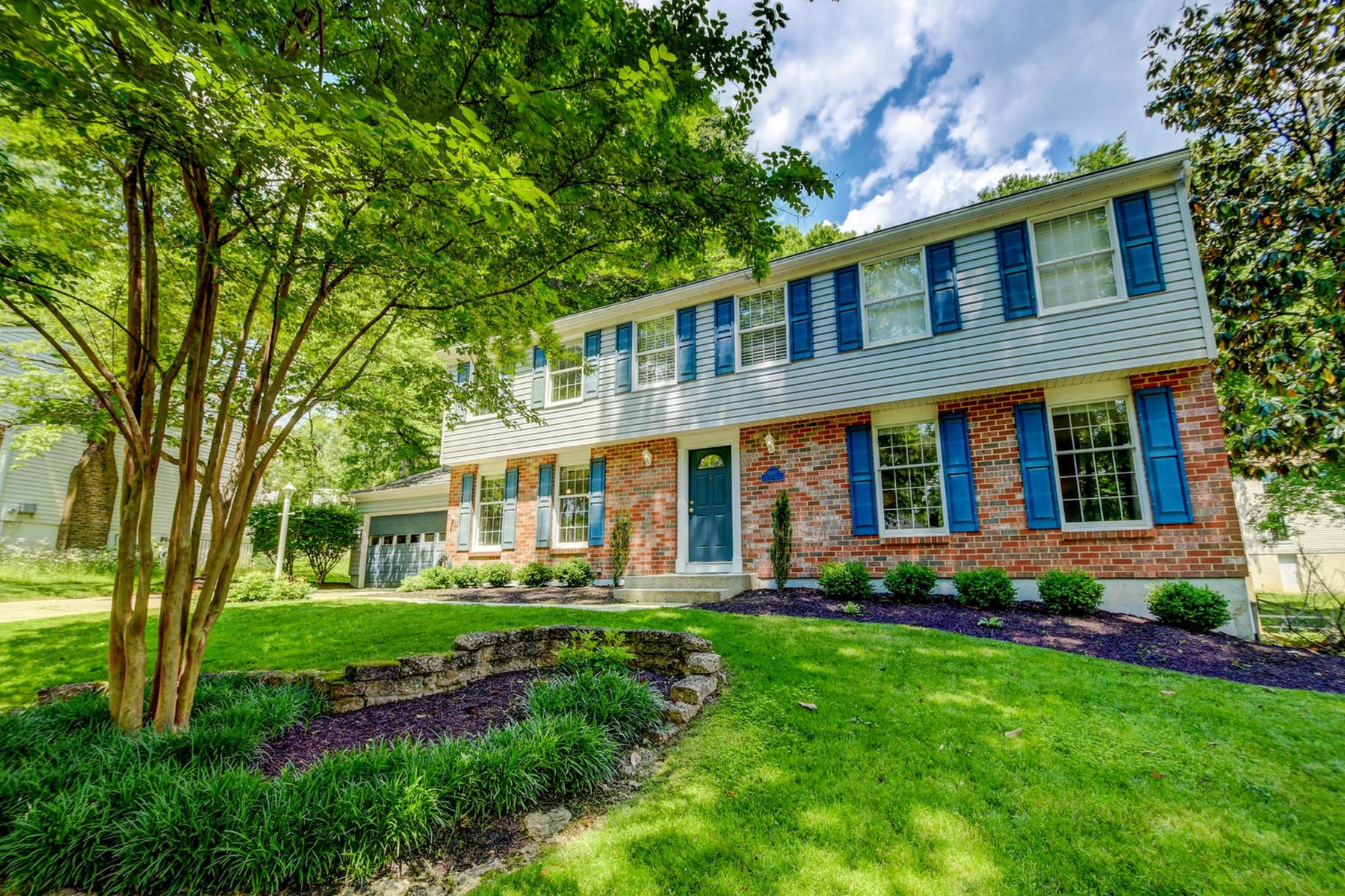 single family homes for Active at Columbia Classic! 9497 Sylvan Del Columbia, Maryland 20145 United States