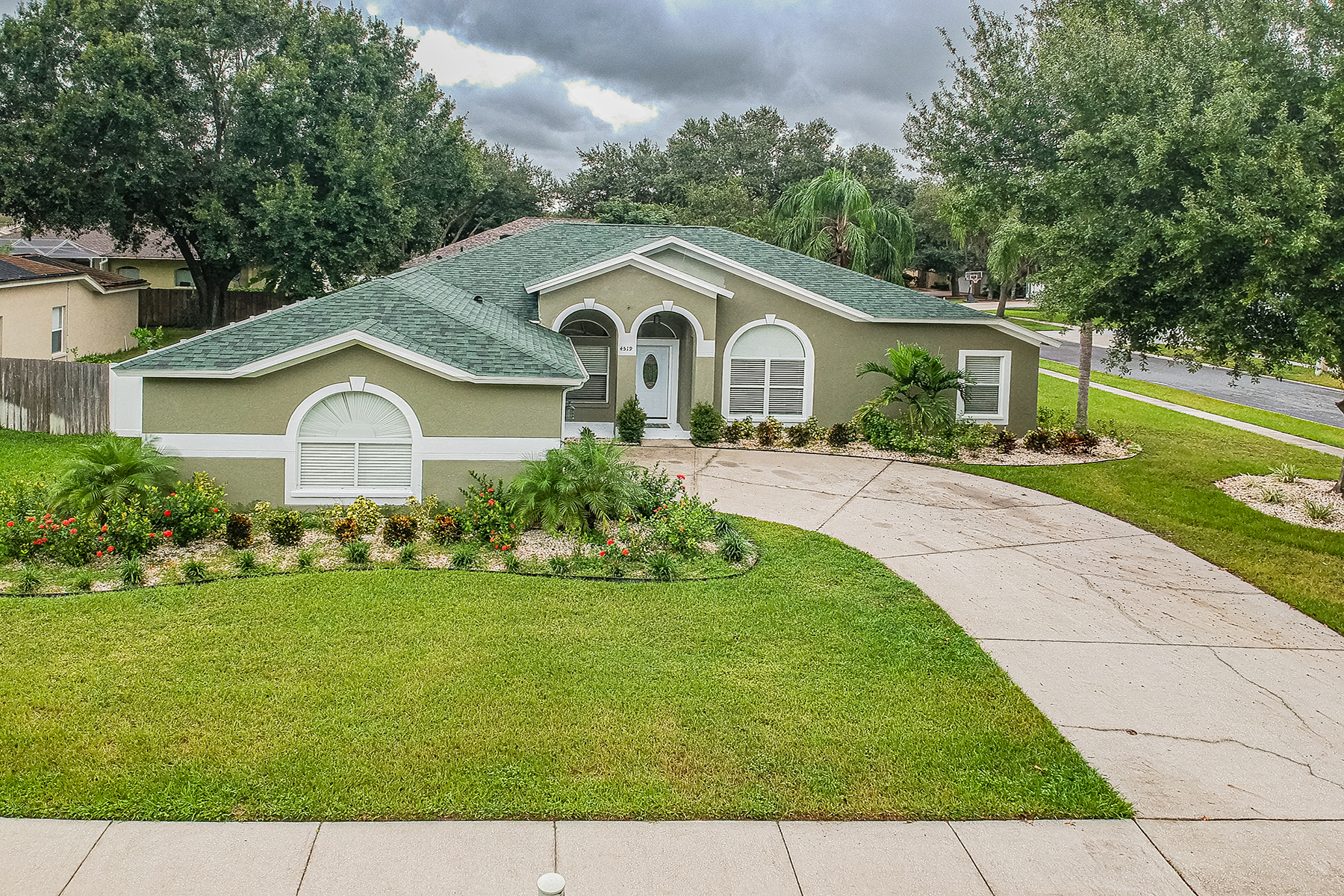 Single Family Homes for Sale at VALRICO 4519 Gentrice Dr Valrico, Florida 33596 United States
