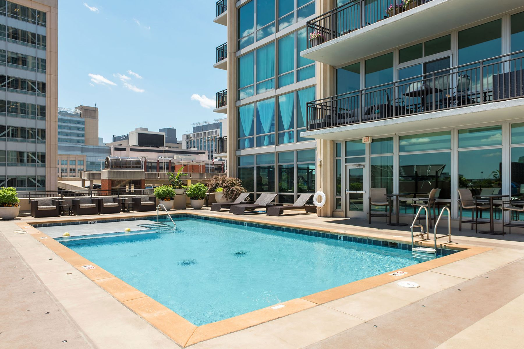 Additional photo for property listing at Laclede Ave 4909 Laclede Ave # 1001 St. Louis, Missouri 63108 United States