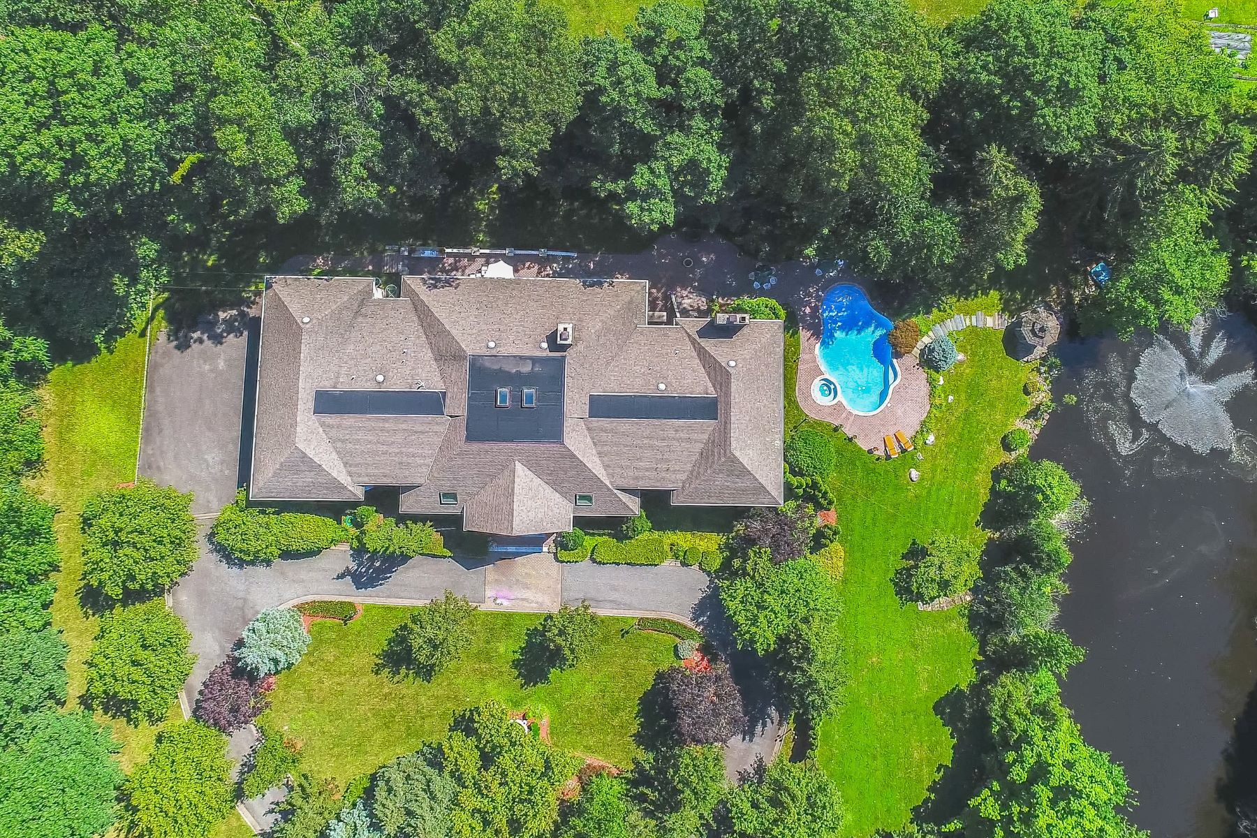Single Family Home for Sale at SOUTH POND ESTATE 3 S Pond Rd Saddle River, New Jersey 07458 United States