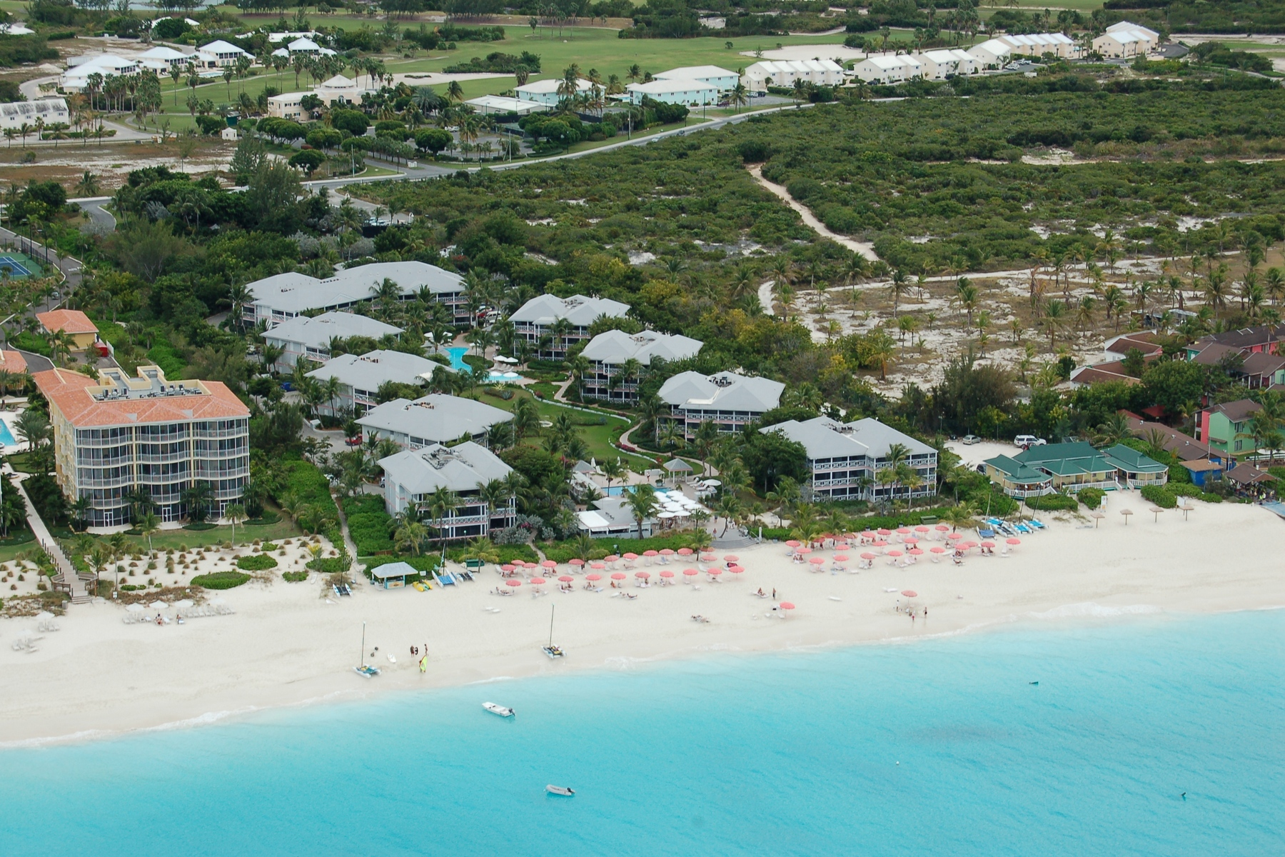 Additional photo for property listing at Ocean Club Resorts ~ Suite 8101 Gardenview Grace Bay, Providenciales TKCA 1ZZ Islas Turcas Y Caicos