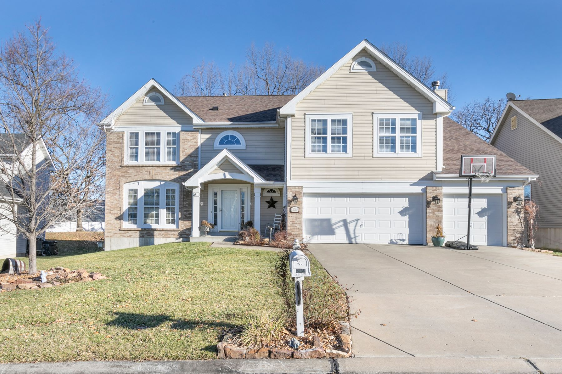 Property for Sale at Williamstown Dr 2065 Williamstown Dr St. Peters, Missouri 63376 United States