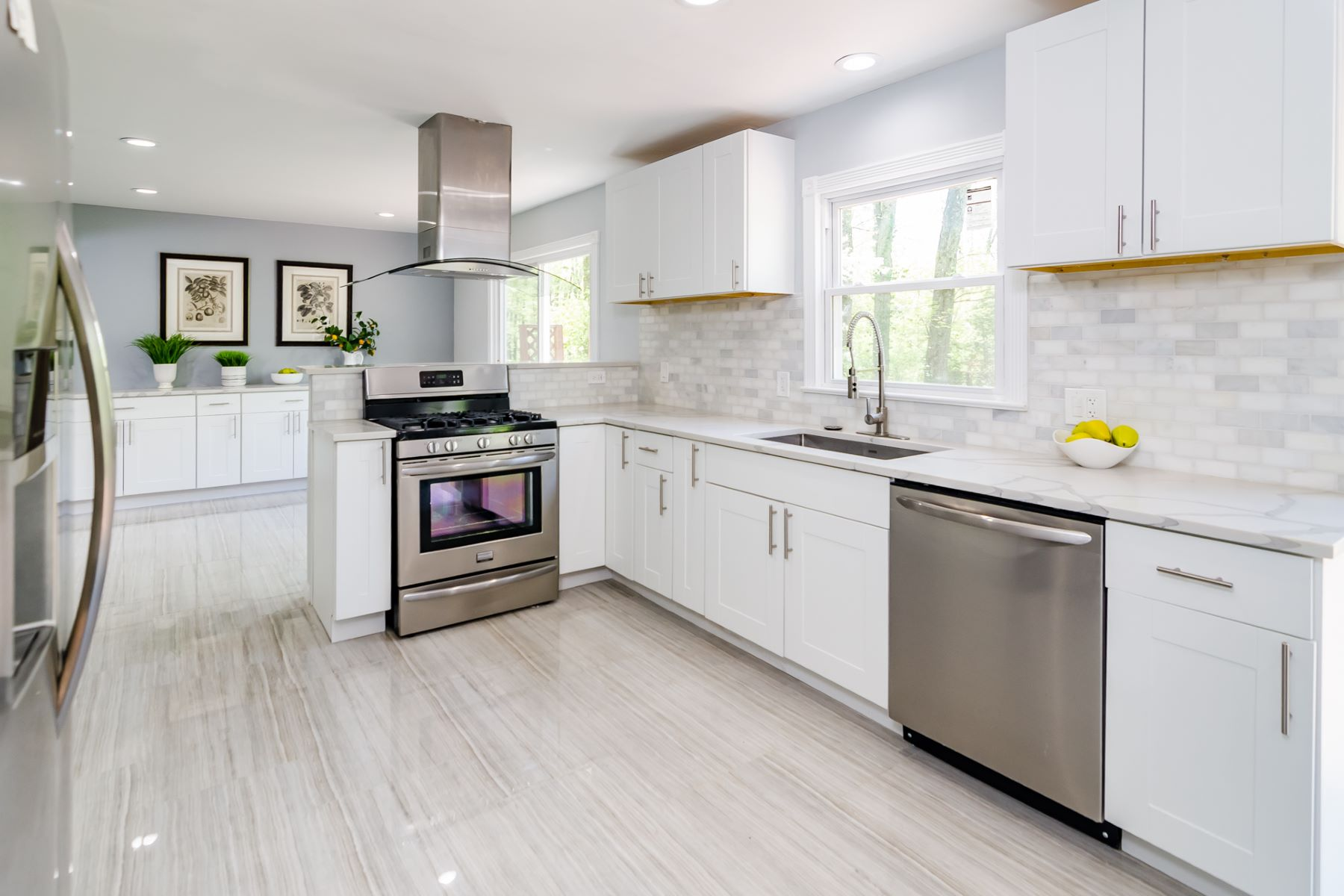 Additional photo for property listing at Fresh, Modern, and Completely Redone in Hopewell 7 Fairway Drive, Hopewell, New Jersey 08525 United States