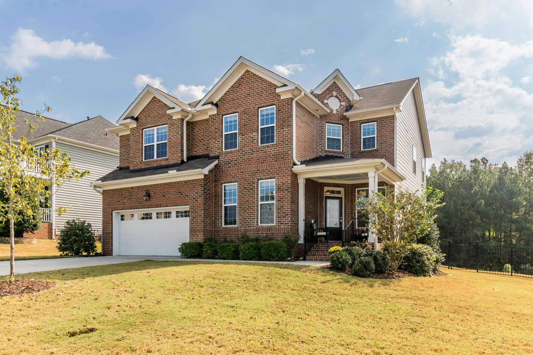 Single Family Homes 为 销售 在 1014 Virginia Water Drive, Rolesville Rolesville, 北卡罗来纳州 27571 美国