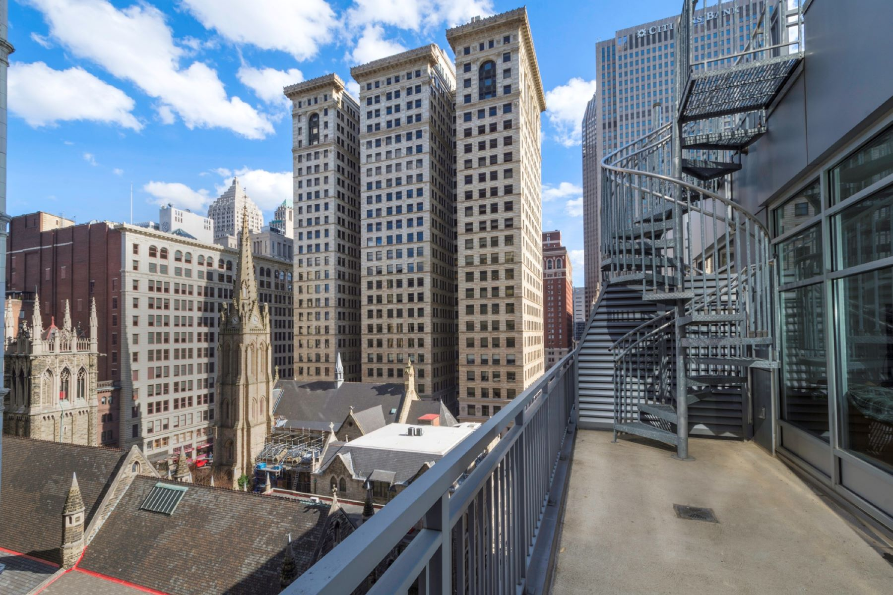 Additional photo for property listing at Piatt Place 709 301 5th Avenue Unit 709 Pittsburgh, Pennsylvania 15222 United States