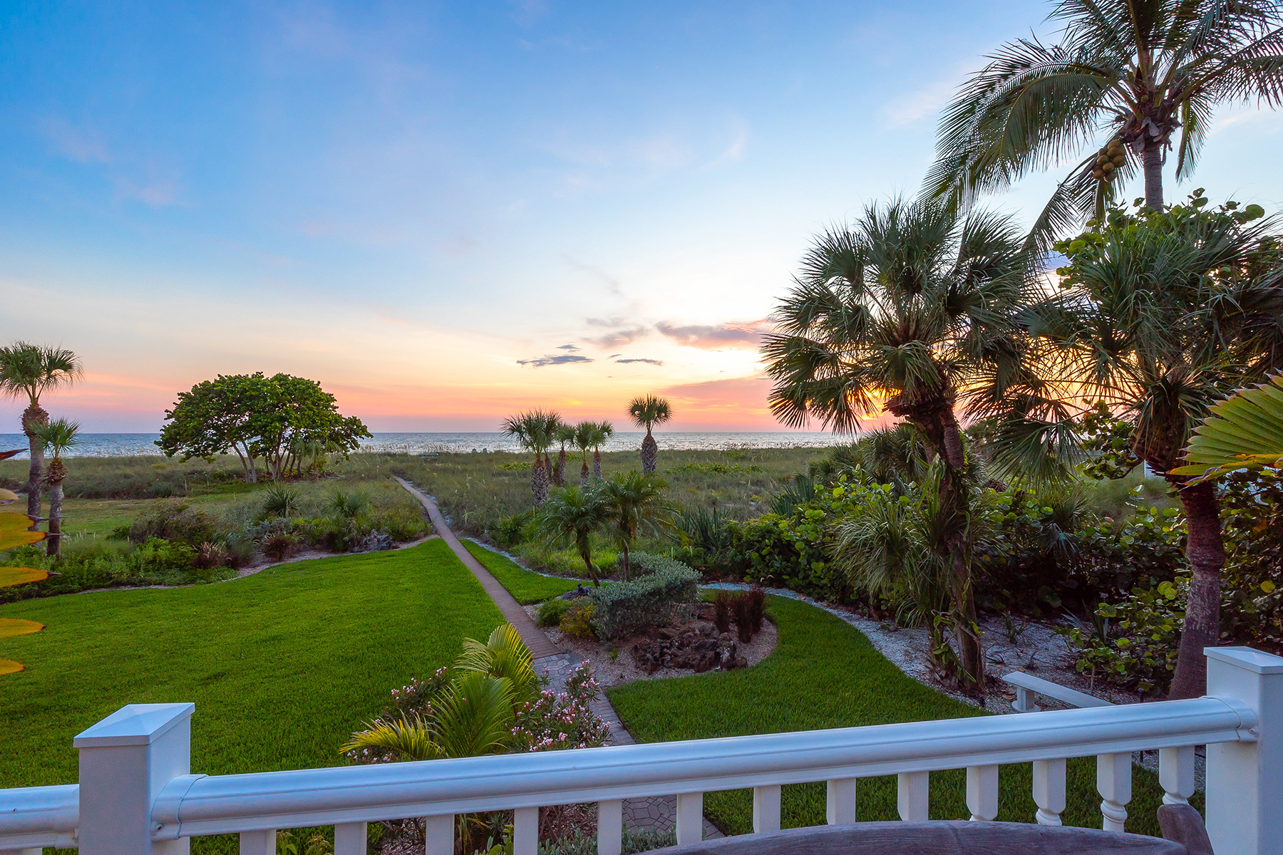 single family homes for Active at 508 S Casey Key Rd Nokomis, Florida 34275 United States