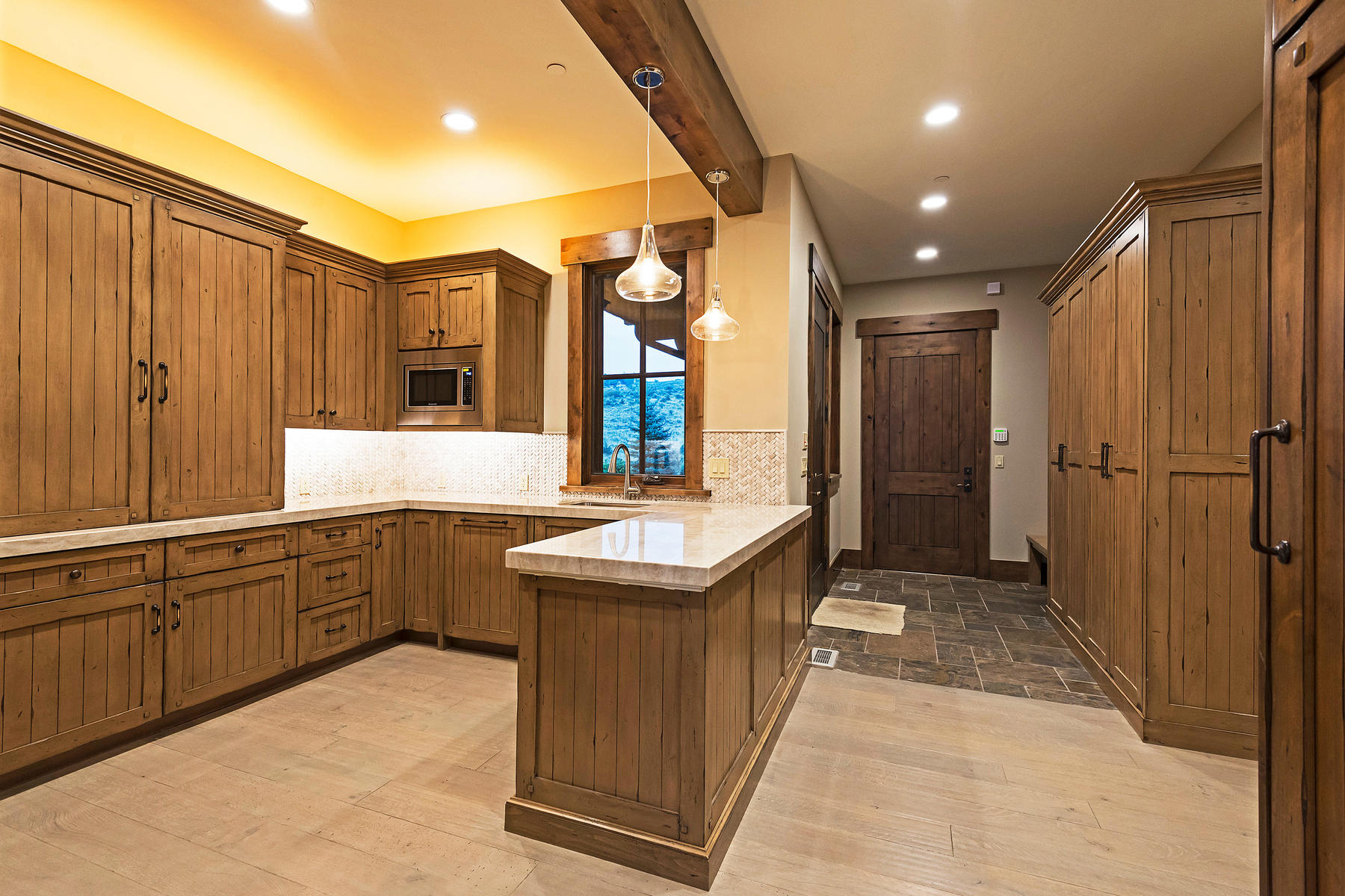Additional photo for property listing at This is the Wow Home On The Wow Lot In All of Promontory 3347 Pete Dye Draw 帕克城, 犹他州 84098 美国