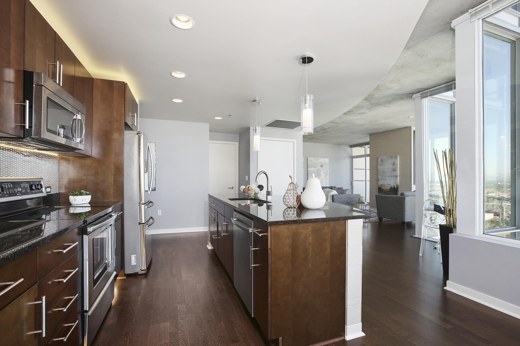 Additional photo for property listing at Panoramic Western and Southern Views 891 14th Street Unit 2301 Denver, Colorado 80202 United States