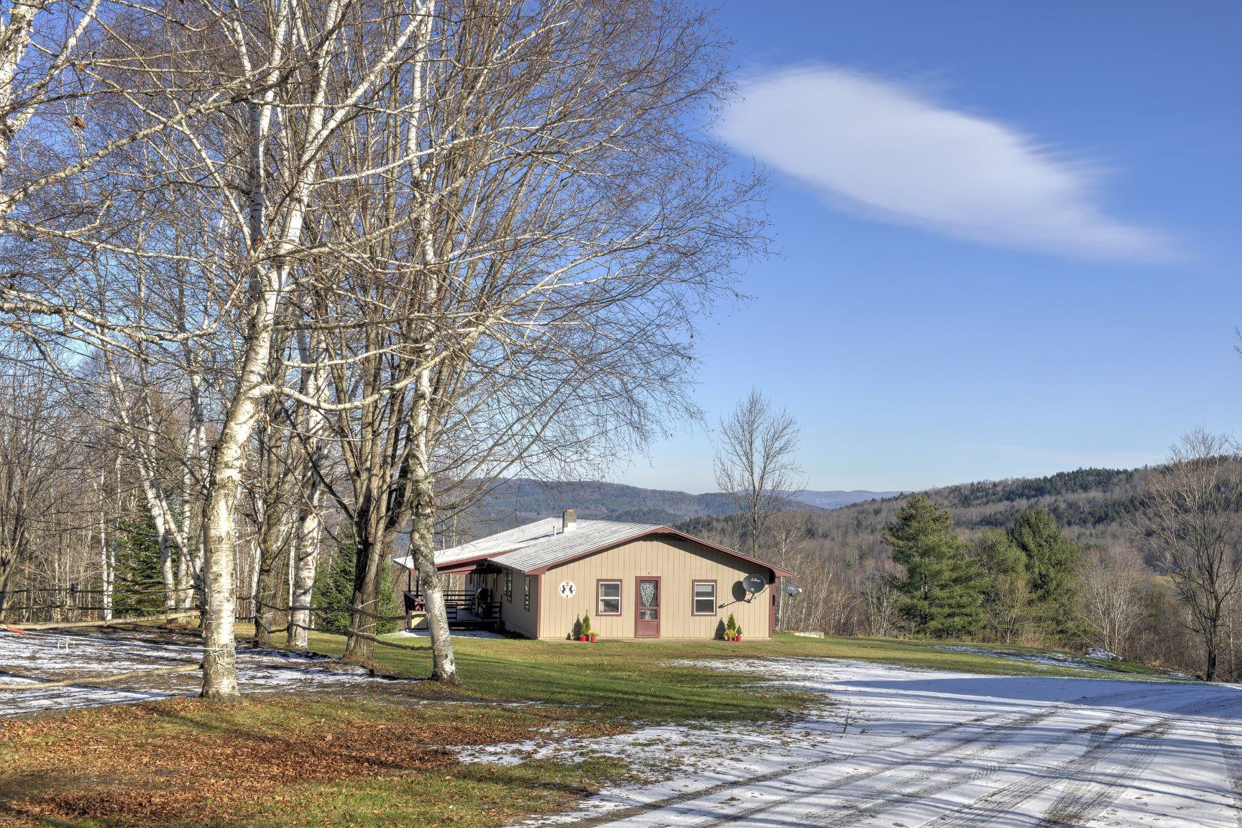 Casa Unifamiliar por un Venta en 1053 Davis, Royalton Royalton, Vermont, 05068 Estados Unidos