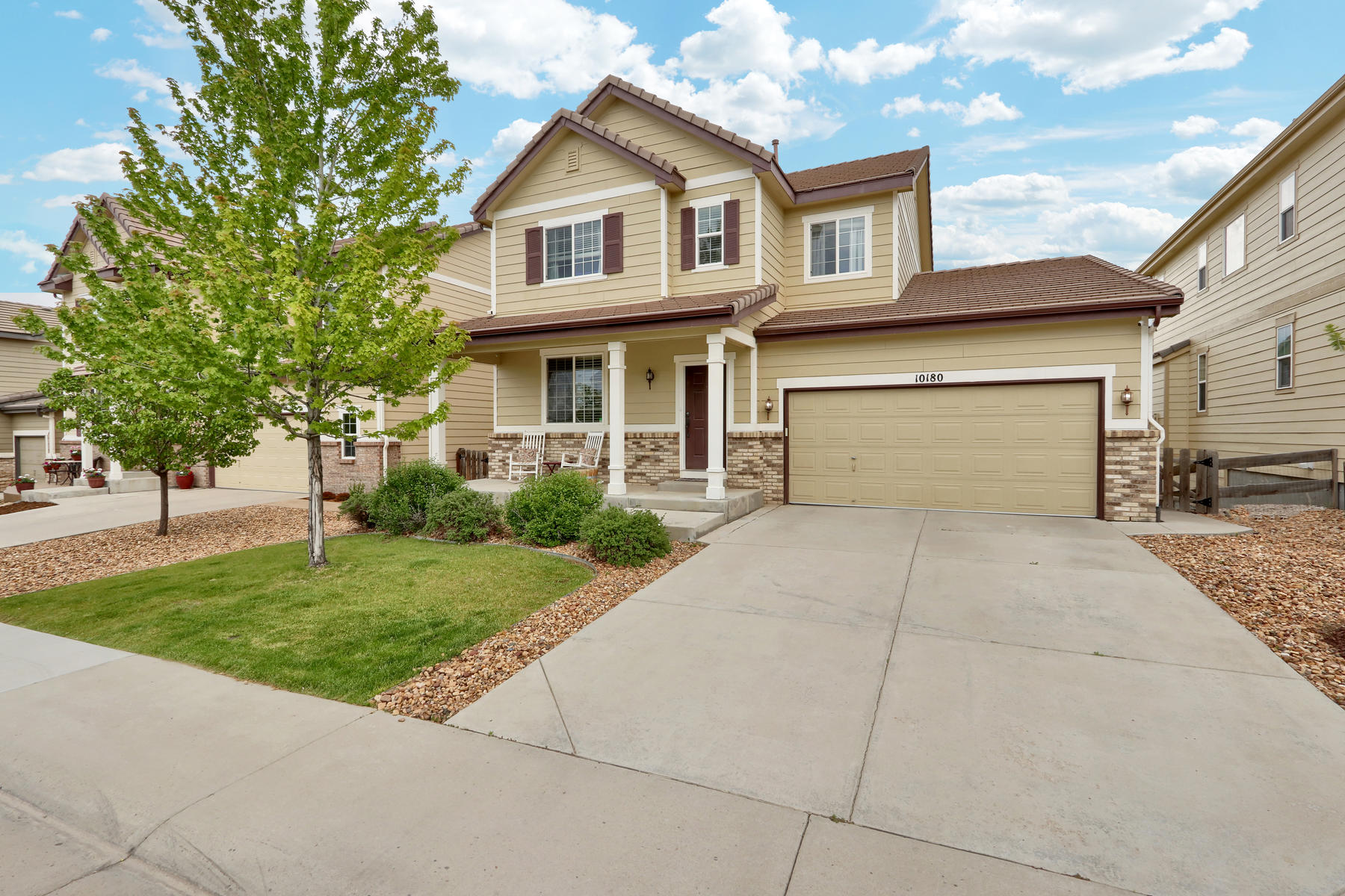 Single Family Homes για την Πώληση στο Cared for home with a fully finished, walk-out basement, backing to green space. 10180 Greenfield Cir, Parker, Κολοραντο 80134 Ηνωμένες Πολιτείες