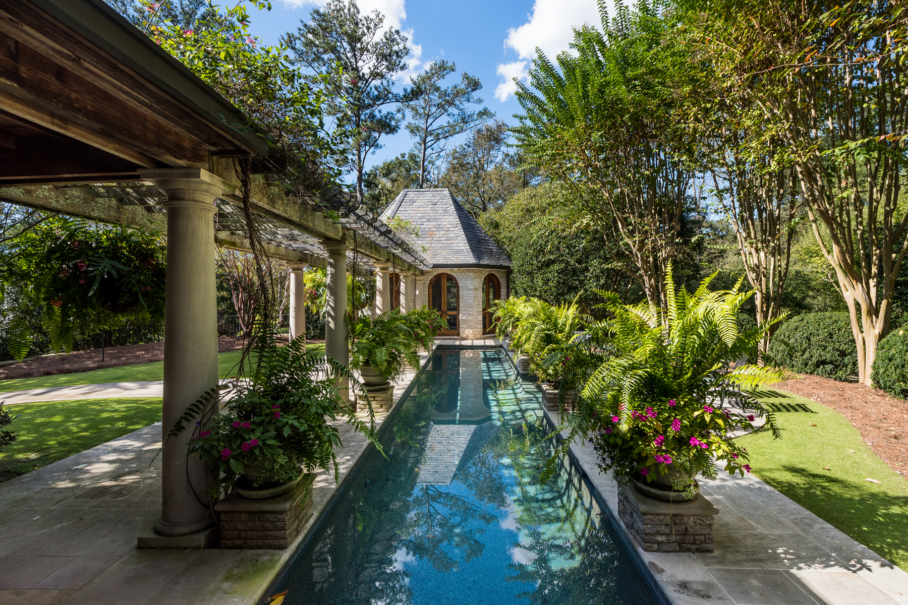 Additional photo for property listing at Beautiful Custom Estate In Buckhead 2042 W Paces Ferry Road Atlanta, Georgia 30327 United States