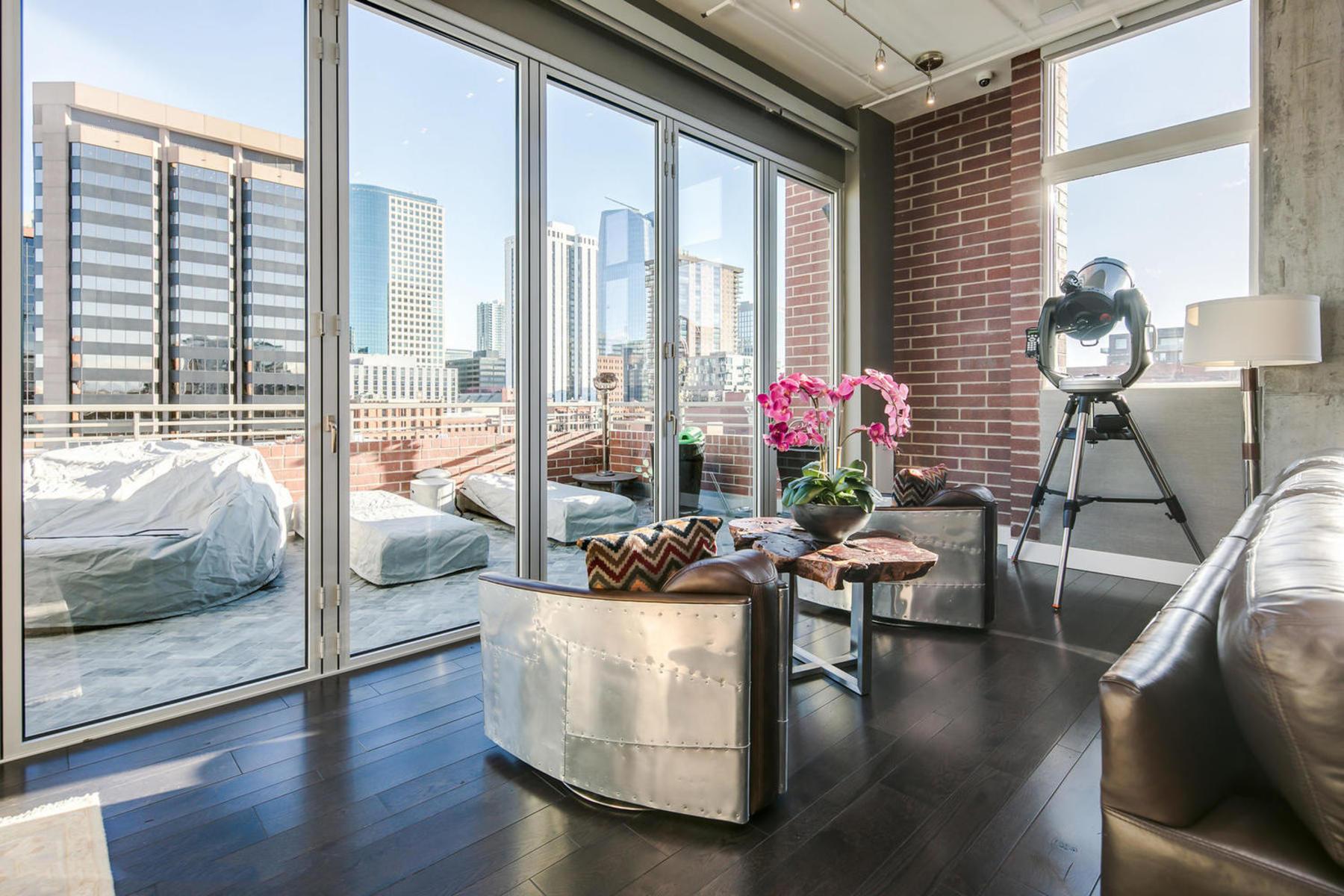Additional photo for property listing at Corner Unit Penthouse With Abundant Natural Light 1720 Wazee Street #6B Denver, Colorado 80202 United States
