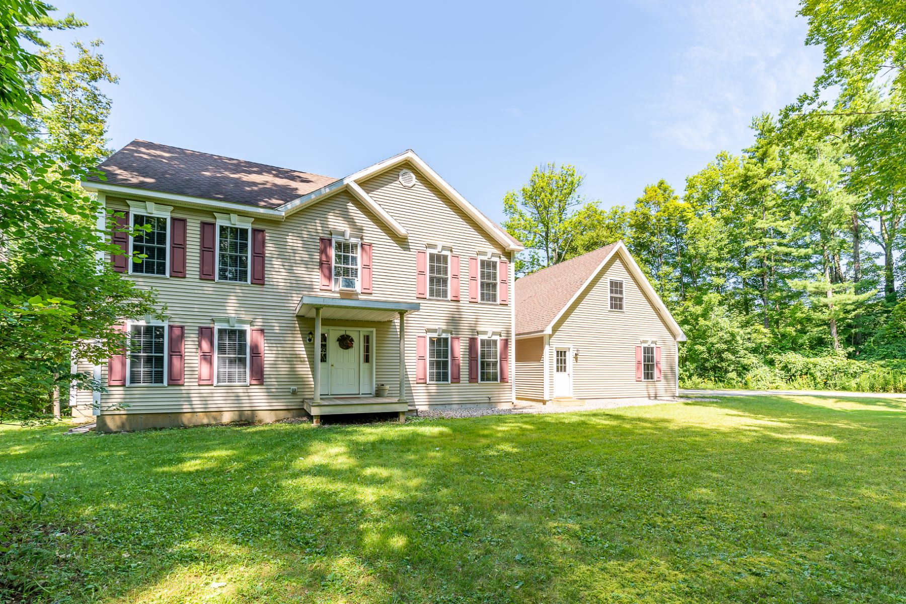 Single Family Homes for Sale at Charming, secluded, well loved 3 bed / 2.5 bath 2801 North Rd Sunderland, Vermont 05250 United States