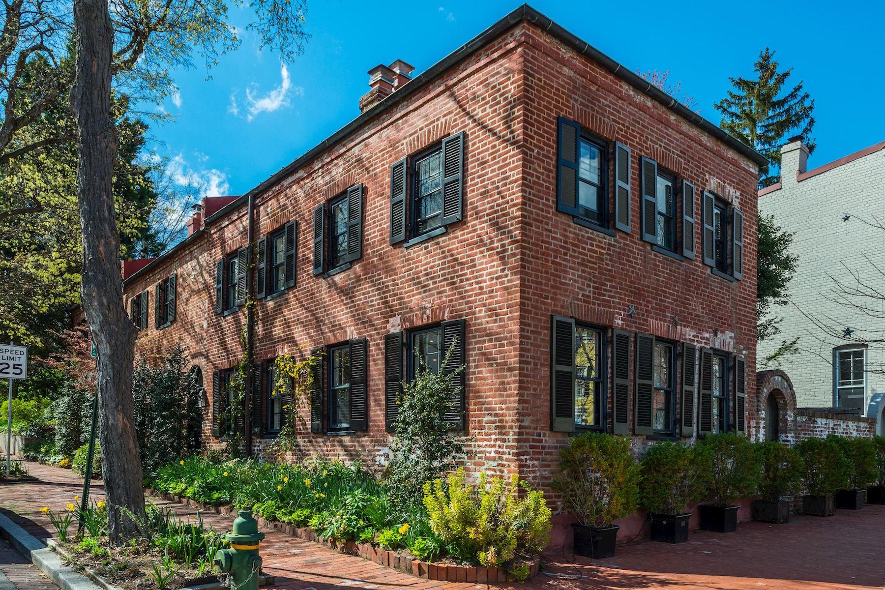 独户住宅 为 销售 在 3303 Volta Place 3303 Volta Place Nw 华盛顿市, 哥伦比亚特区, 20007 美国