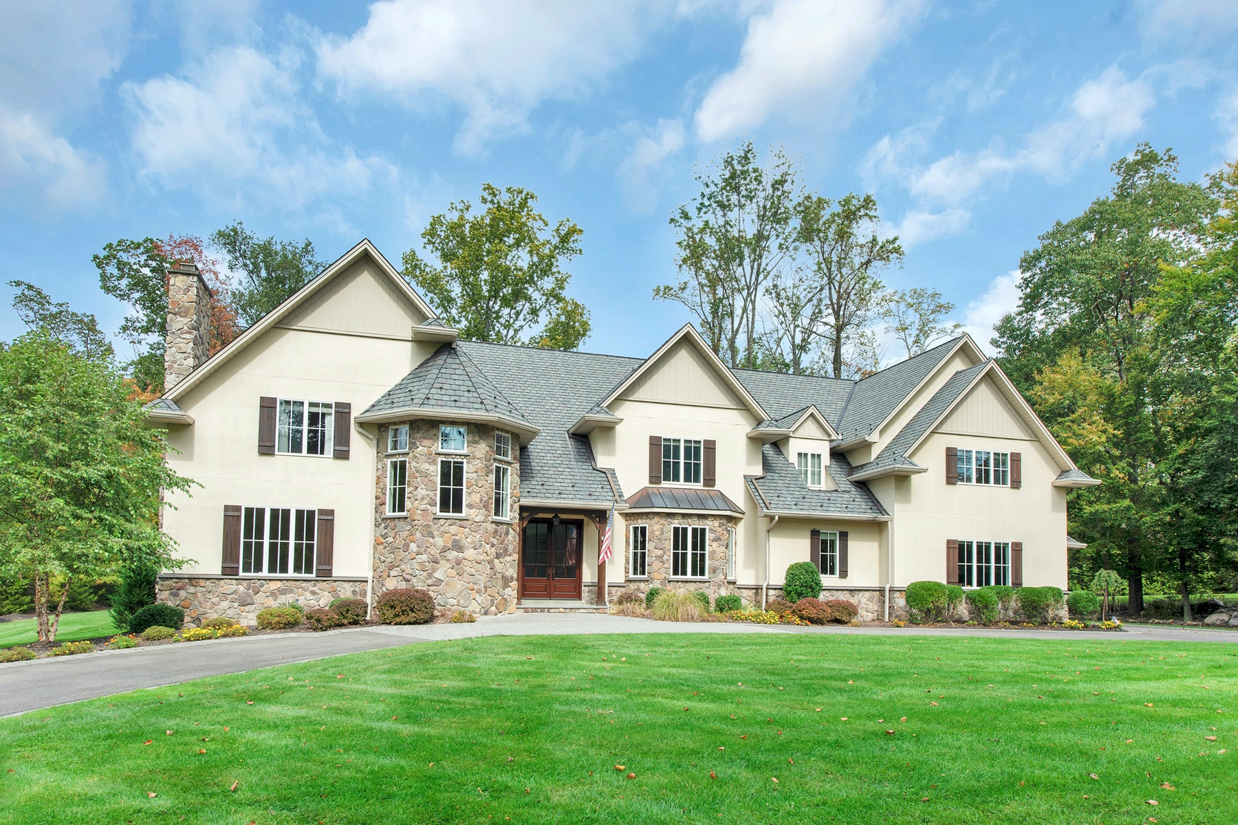Single Family Homes for Sale at Stunning Custom Home 7 Ware Rd Upper Saddle River, New Jersey 07458 United States