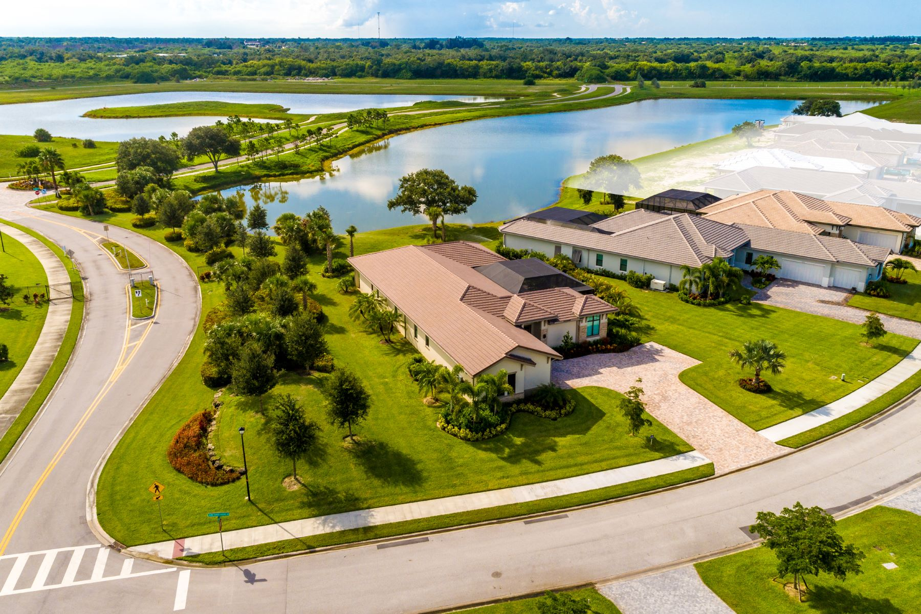 Additional photo for property listing at Luxury New Construction in Grand Harbor 2344 Grand Harbor Reserve Square Vero Beach, Florida 32967 United States