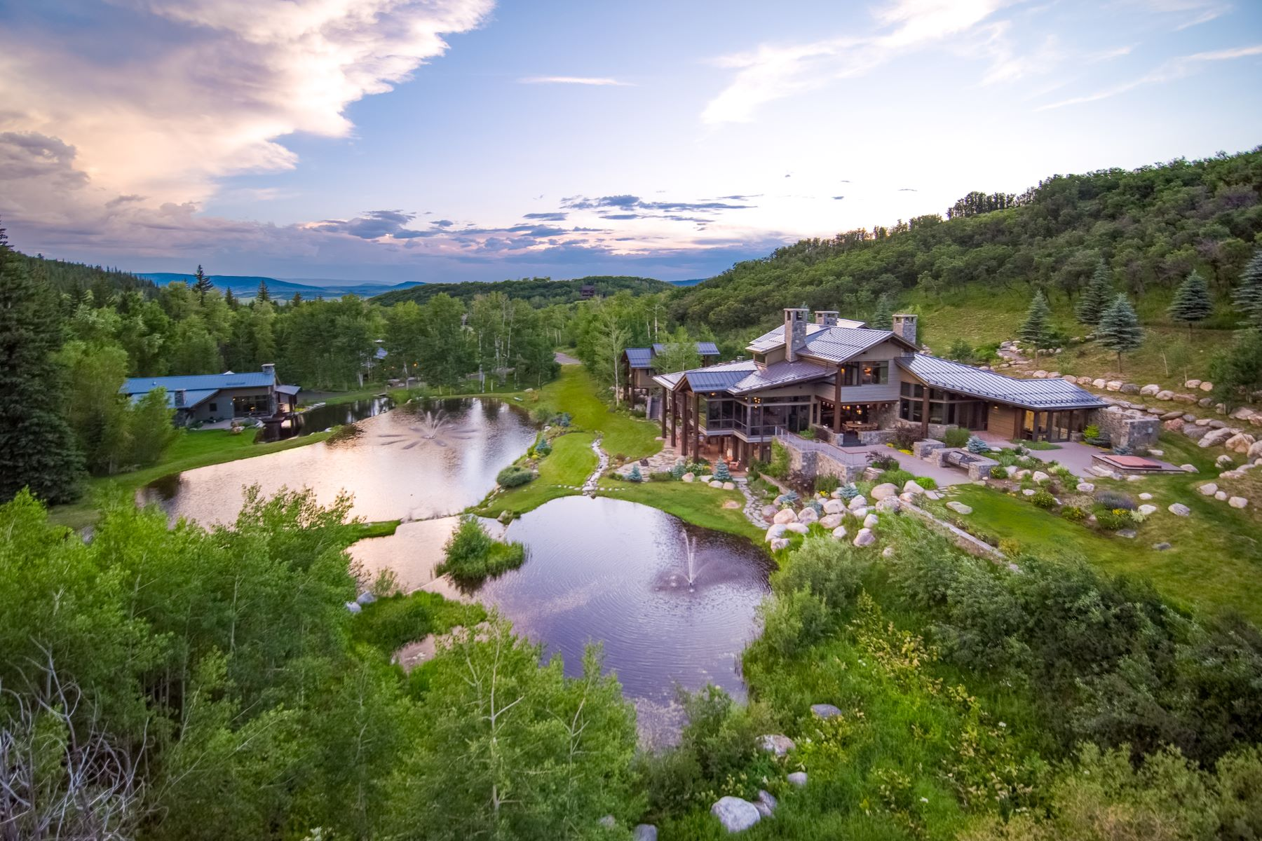 Single Family Homes 為 出售 在 Gray Stone Canyon 33700 Rushing Water Lane, Steamboat Springs, 科羅拉多州 80487 美國