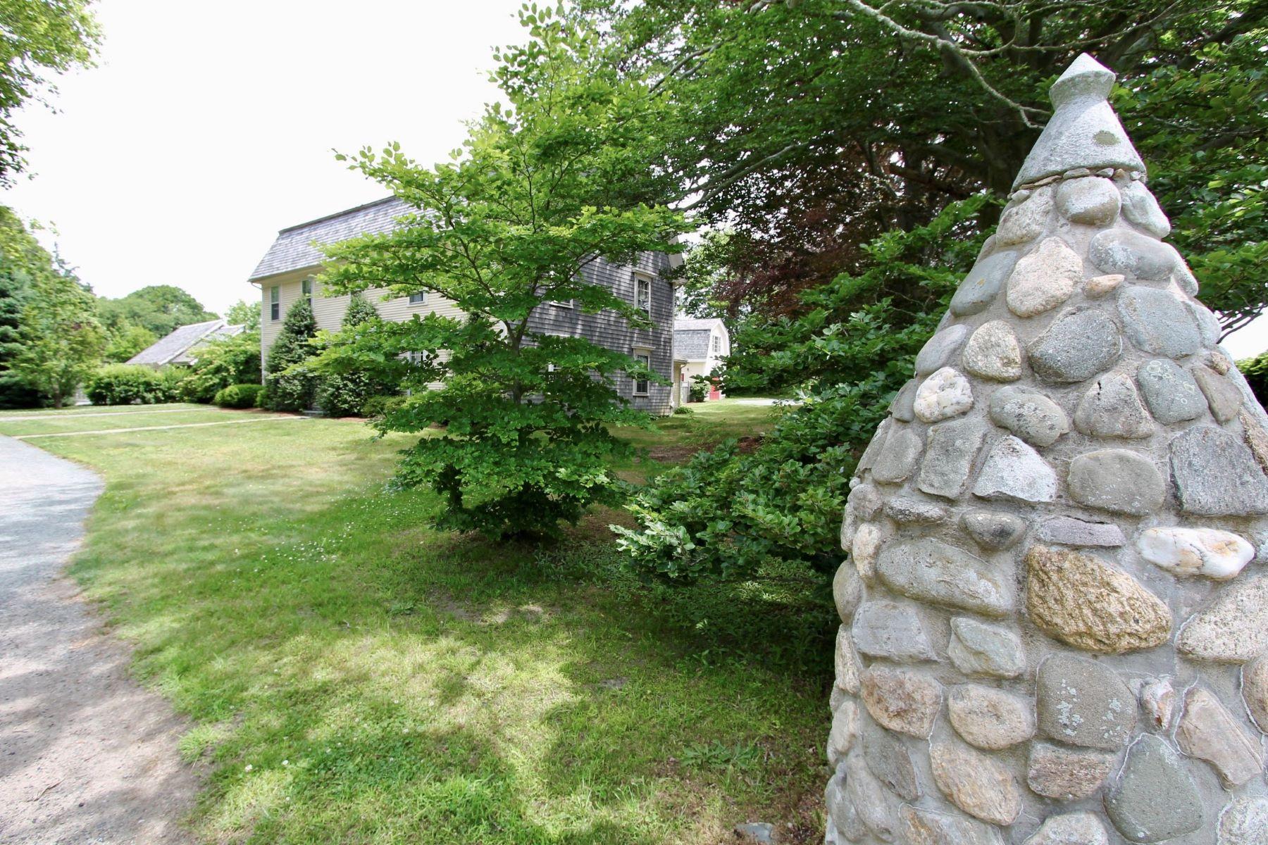 multi-family homes voor Verkoop op 'The Glen' 390 Glen Farm Road, Portsmouth, Rhode Island 02871 Verenigde Staten