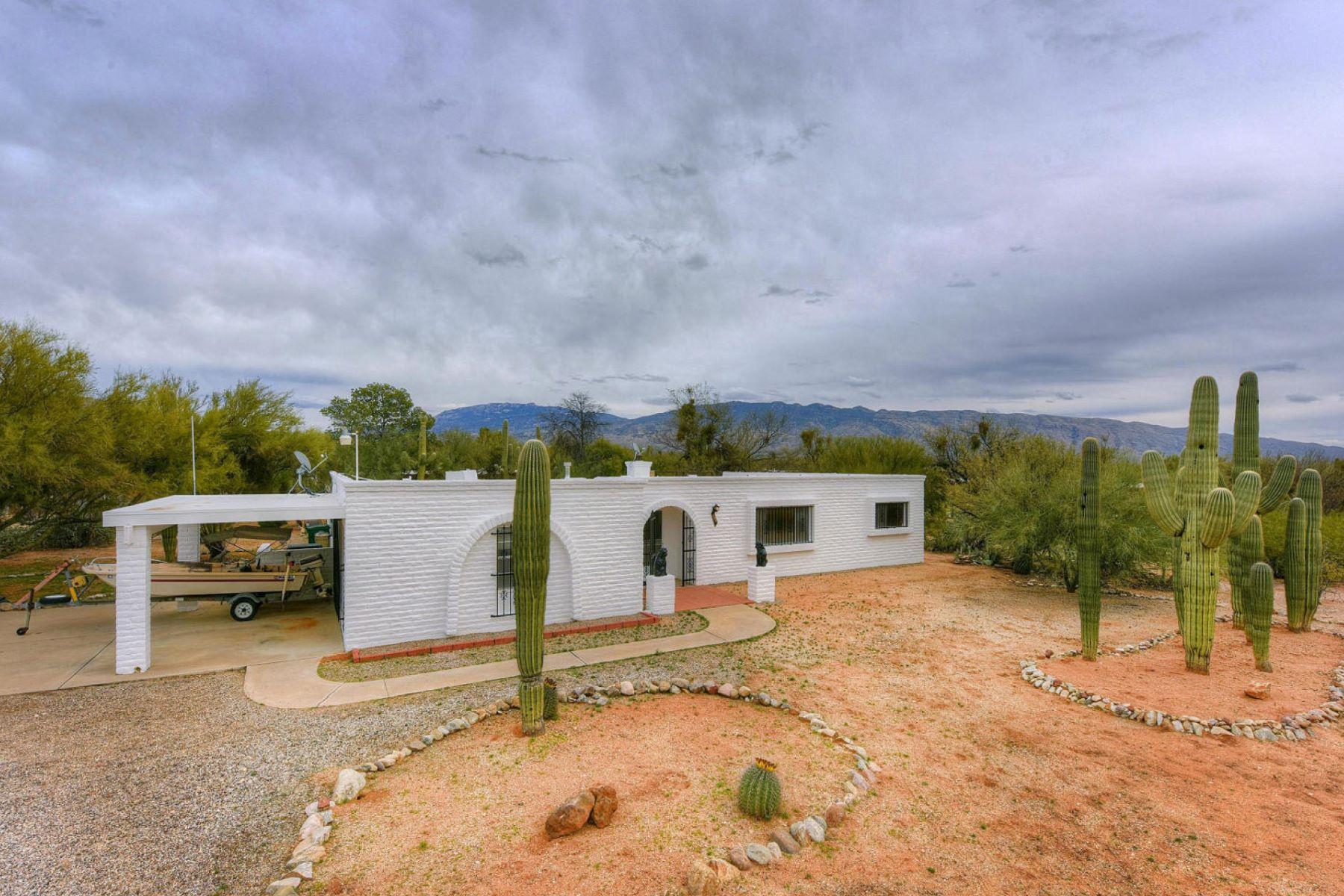 独户住宅 为 销售 在 Views for Miles! 3100 N Sourdough Place 图森, 亚利桑那州, 85749 美国