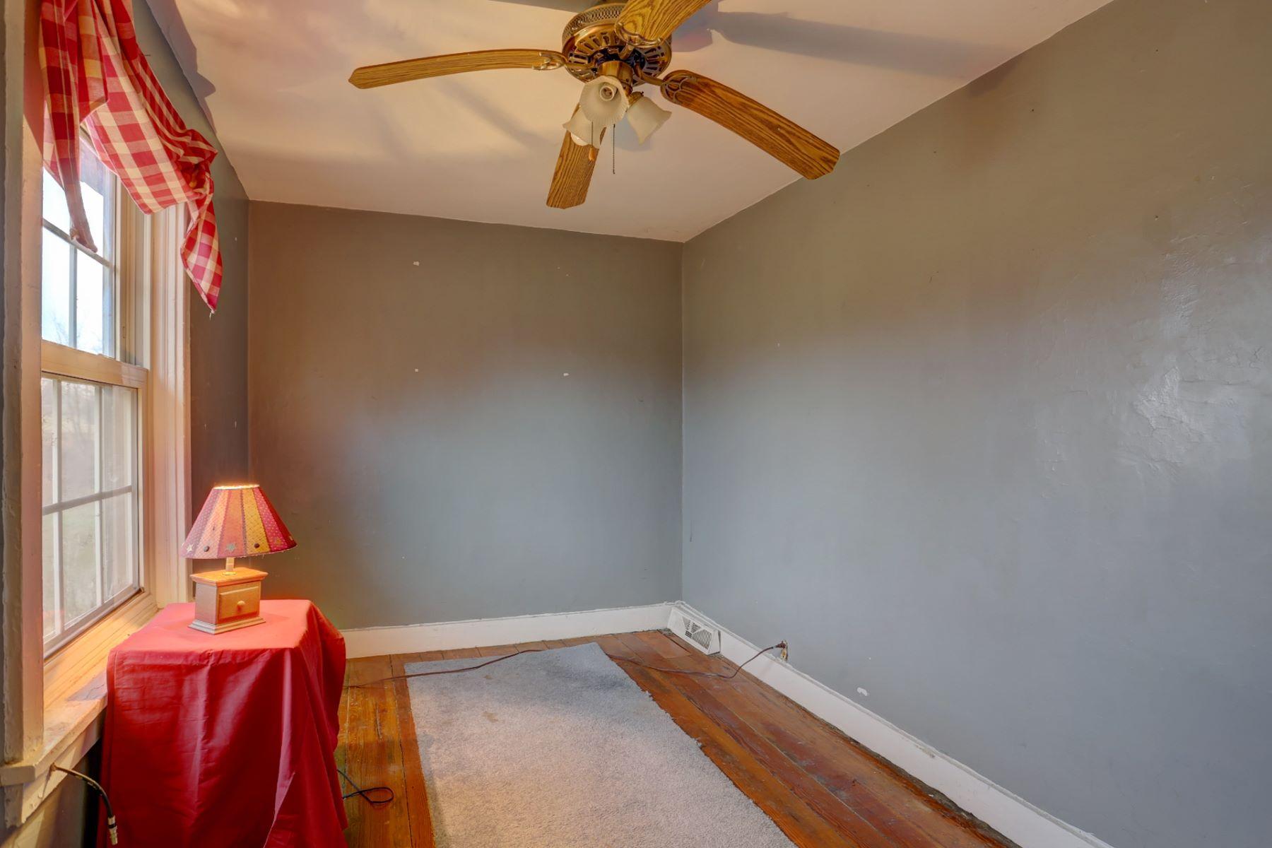 Additional photo for property listing at 378 Hoods Lane  West Grove, Pennsylvania 19390 Estados Unidos
