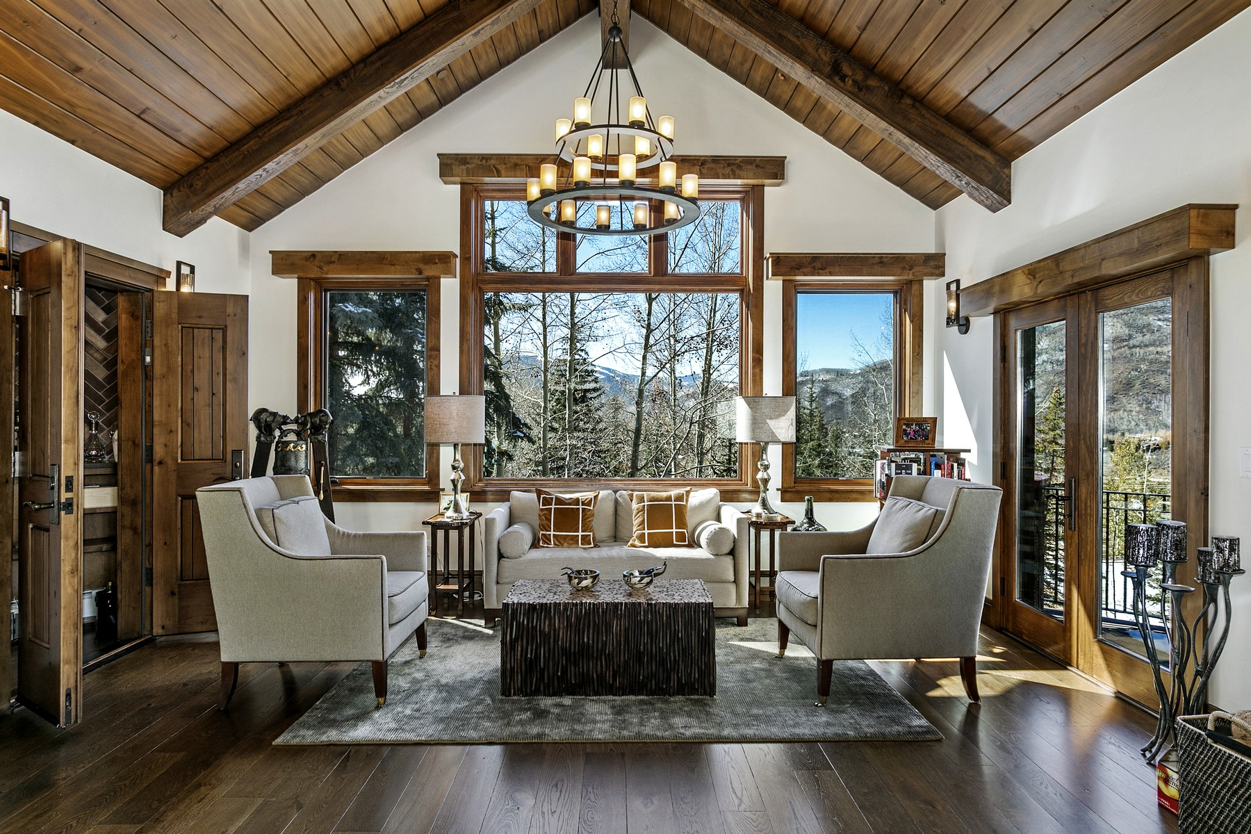 Additional photo for property listing at Expansive ski-in mountain retreat 1250 Westhaven Circle Vail, Colorado 81657 United States