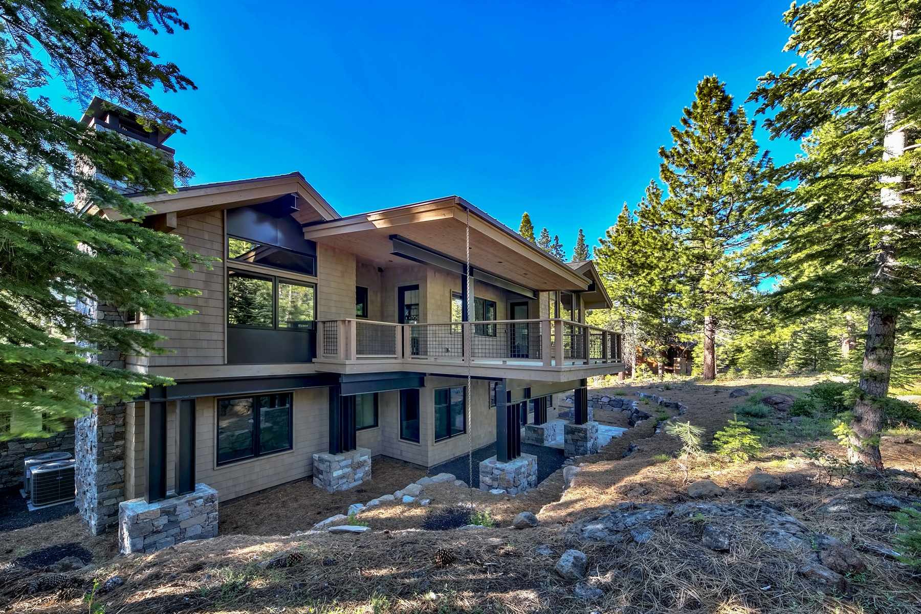 Additional photo for property listing at 13212 Snowshoe Thompson, Truckee, CA 13212 Snowshoe Thompson Circle Truckee, California 96161 United States