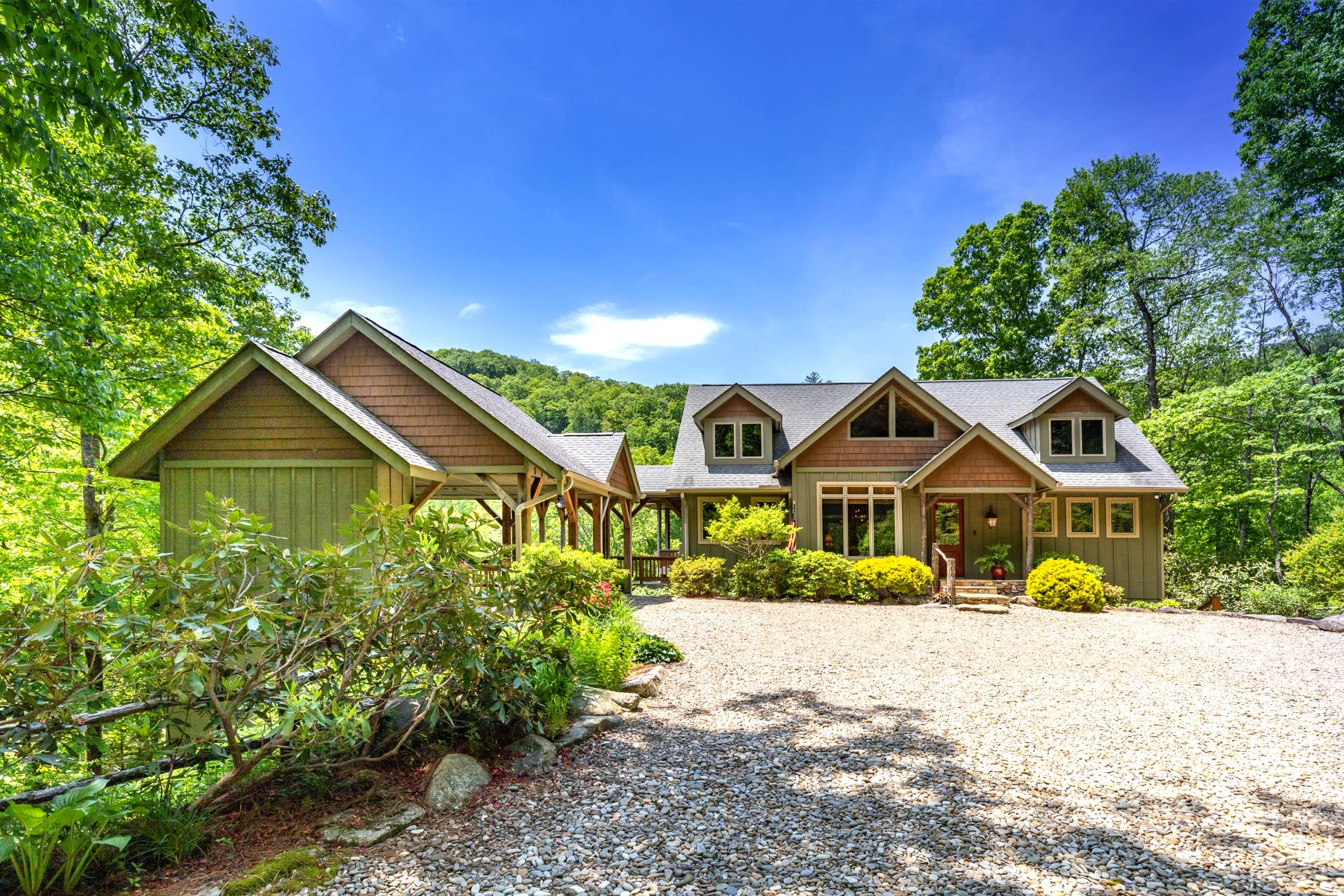 Single Family Homes for Active at 130 Keowee Trail Lake Toxaway, North Carolina 28747 United States