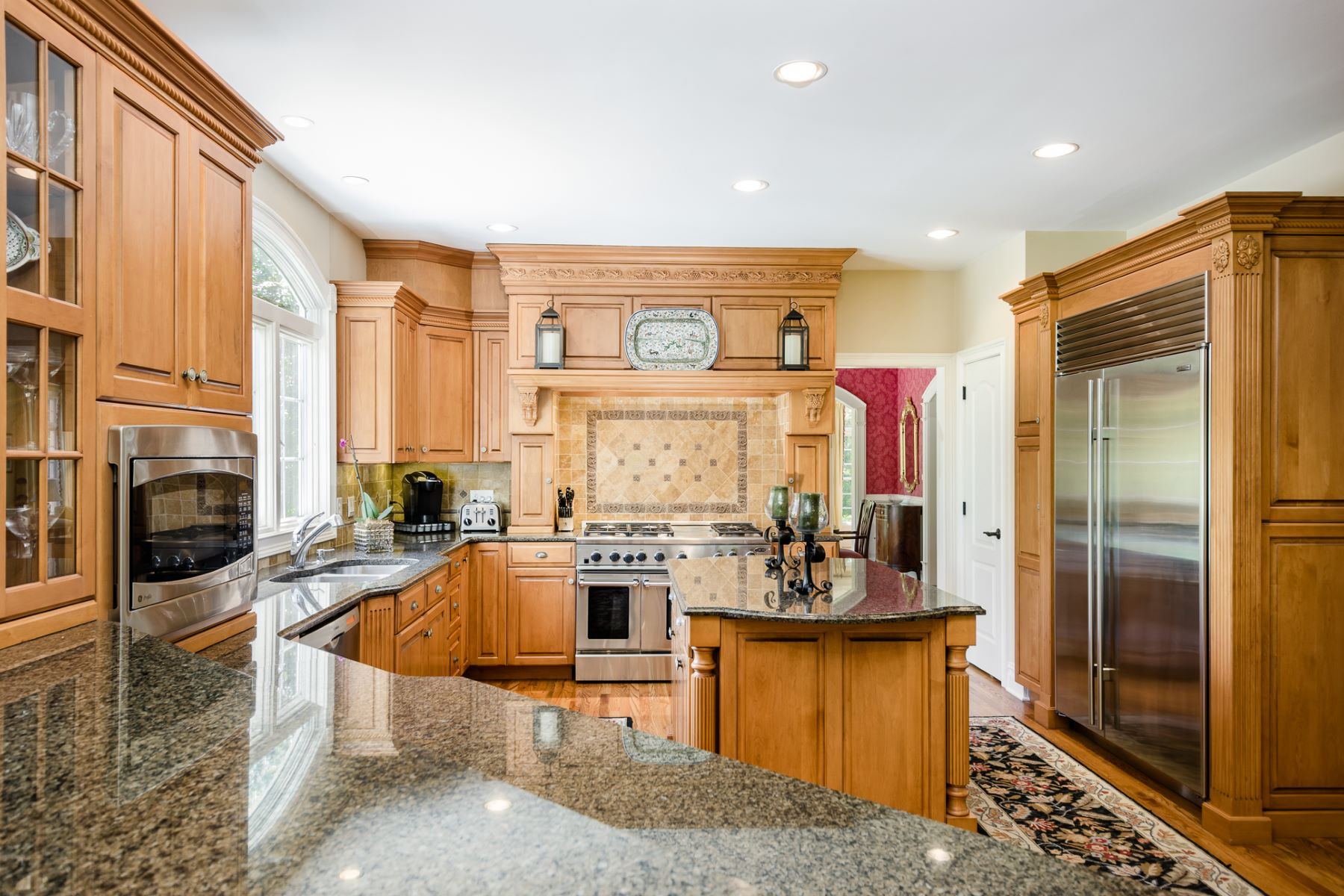 Additional photo for property listing at Grosso-Built And Fabulous Location - Montgomery Township 71 Planters Row Skillman, New Jersey 08558 United States