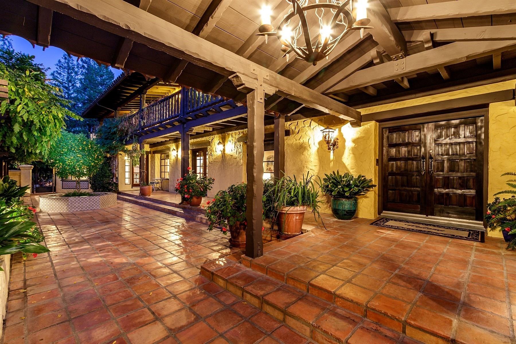 Частный односемейный дом для того Продажа на Mediterranean Oasis Estate 1180 Sebastian Lane Walnut Creek, Калифорния 94598 Соединенные Штаты