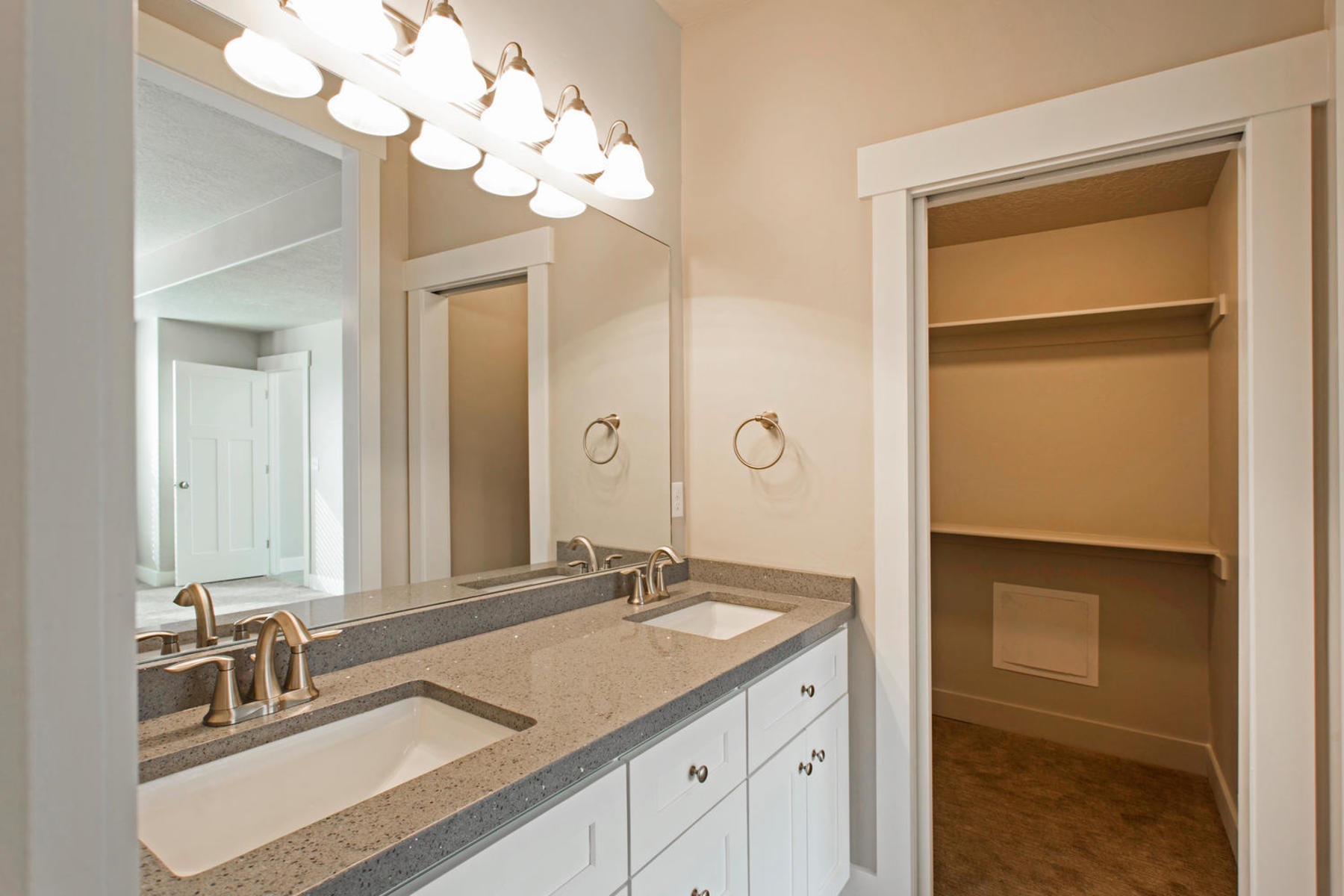 Additional photo for property listing at 4 Bedroom Townhome at The Ridge at Spanish Fork 1162 S High Ridge Drive, Spanish Fork, 유타 84660 미국