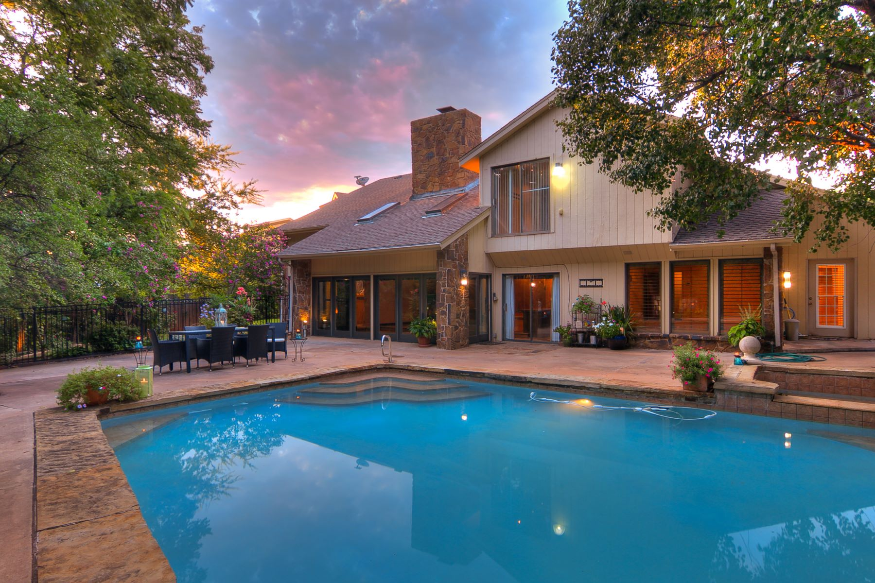 Single Family Homes for Active at One-of-a-Kind Contemporary Residence 4600 Val Verde DR Oklahoma City, Oklahoma 73142 United States