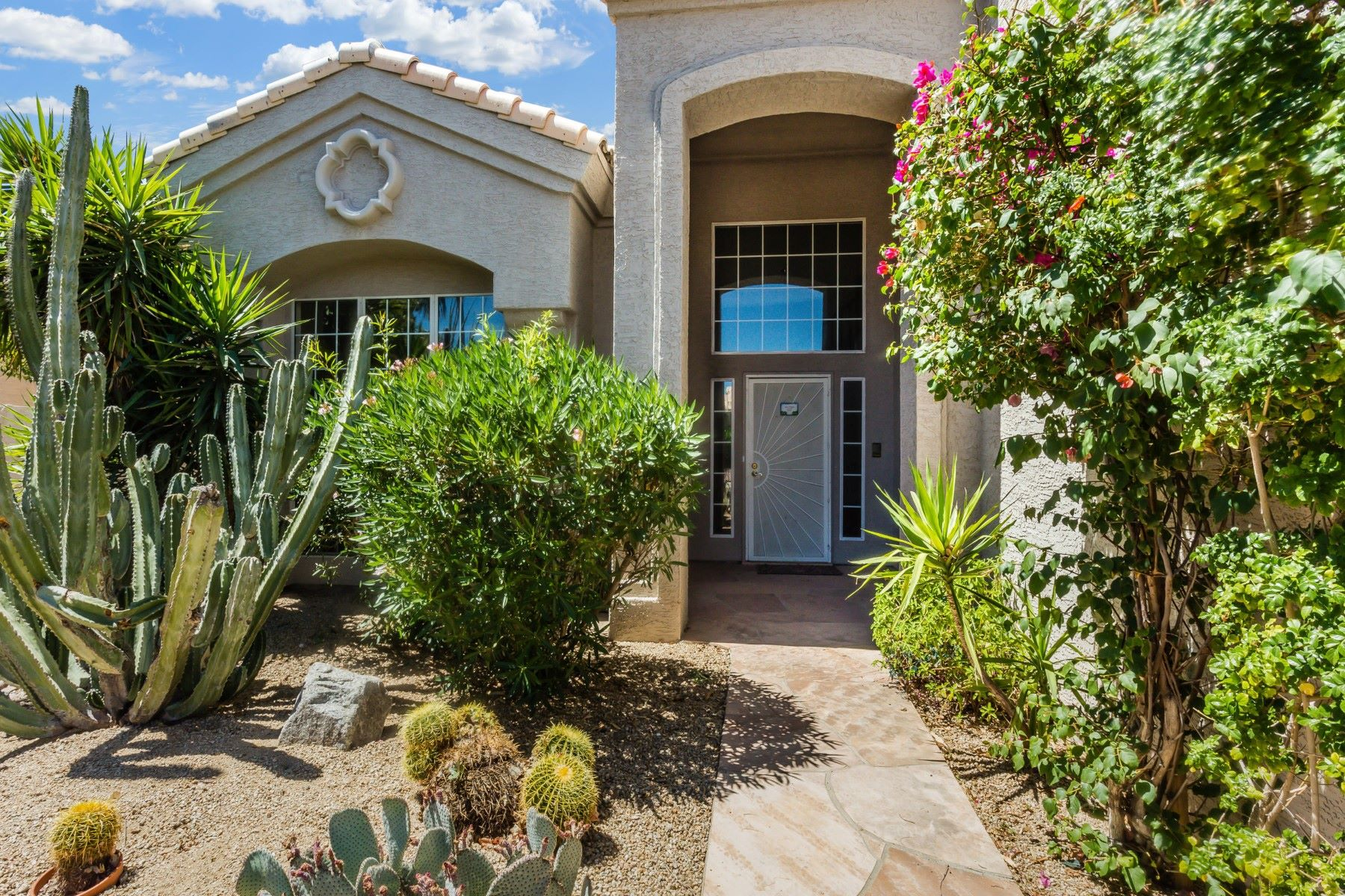 Single Family Home for Sale at Gorgeous home in Mountain Park Ranch 4019 E Desert Flower Ln Phoenix, Arizona, 85044 United States