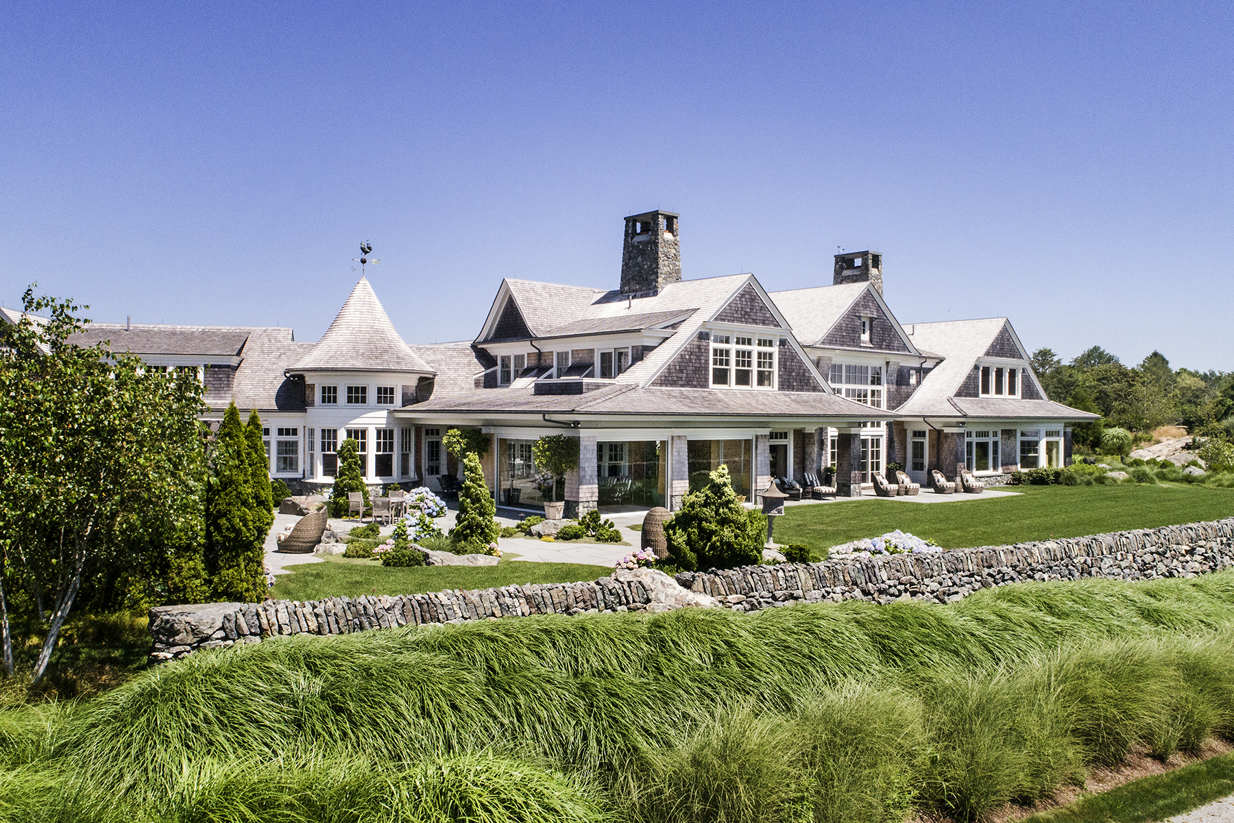 Additional photo for property listing at The Bird House 70 Beacon Hill Road Newport, Rhode Island 02840 États-Unis