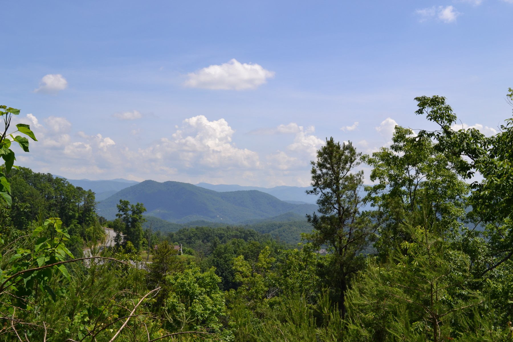Land for Active at Prime Lot In Smoky Mountains Settlers View Lane Lot 114E Sevierville, Tennessee 37876 United States