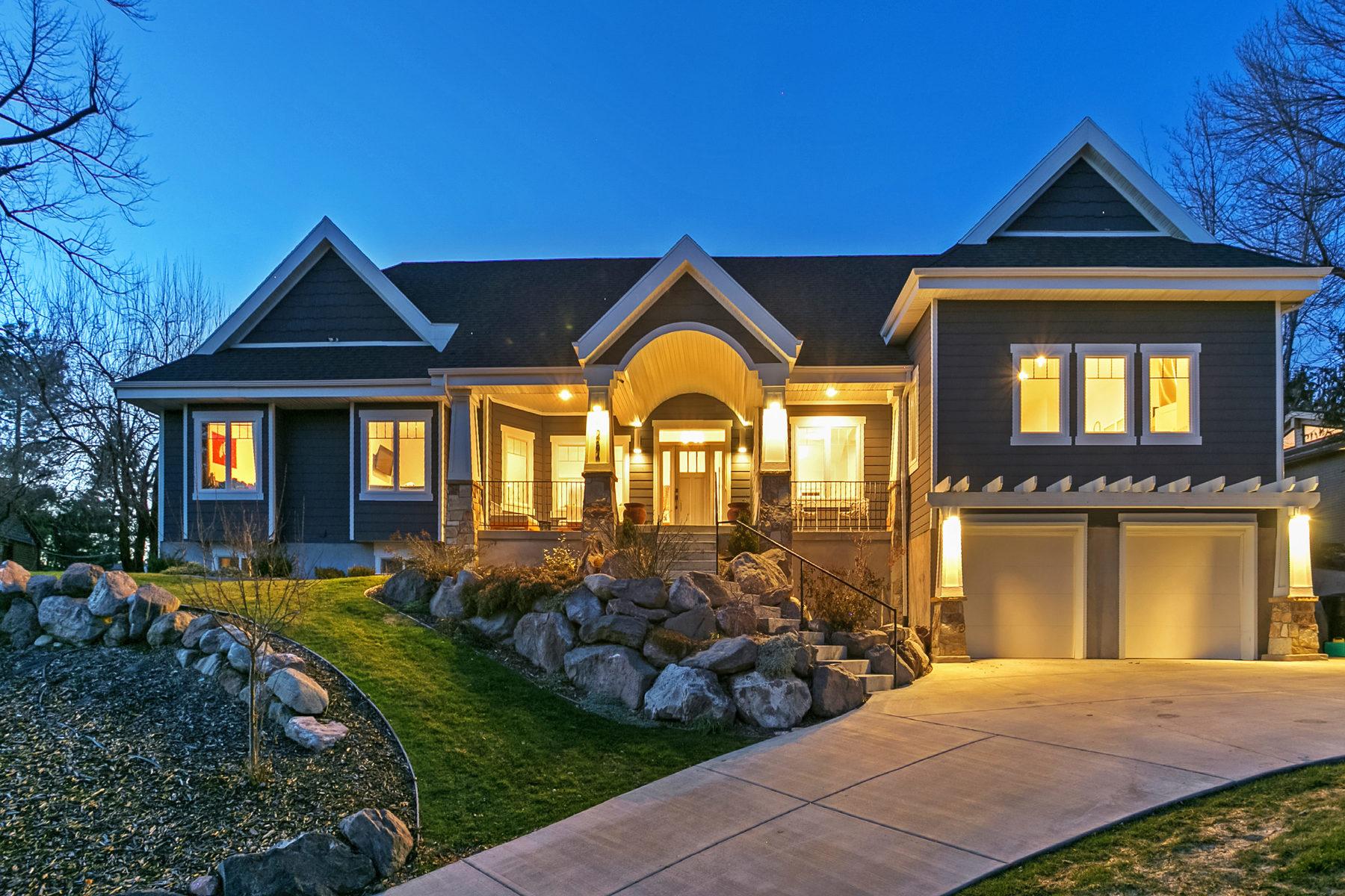 Nhà ở một gia đình vì Bán tại True Luxury Living in Holladay 4284 S Holloway Dr Salt Lake City, Utah, 84124 Hoa Kỳ