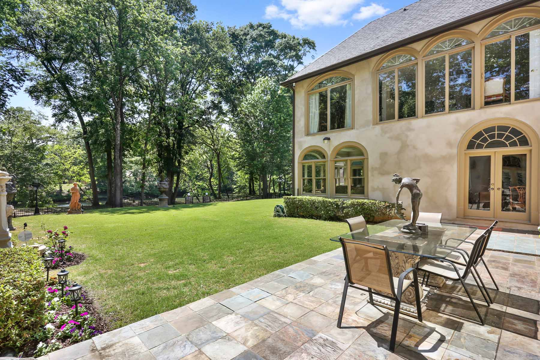 Additional photo for property listing at Extraordinary Sprawling Estate on Chattahoochee River 5315 Chelsen Wood Drive Johns Creek, Georgia 30097 United States