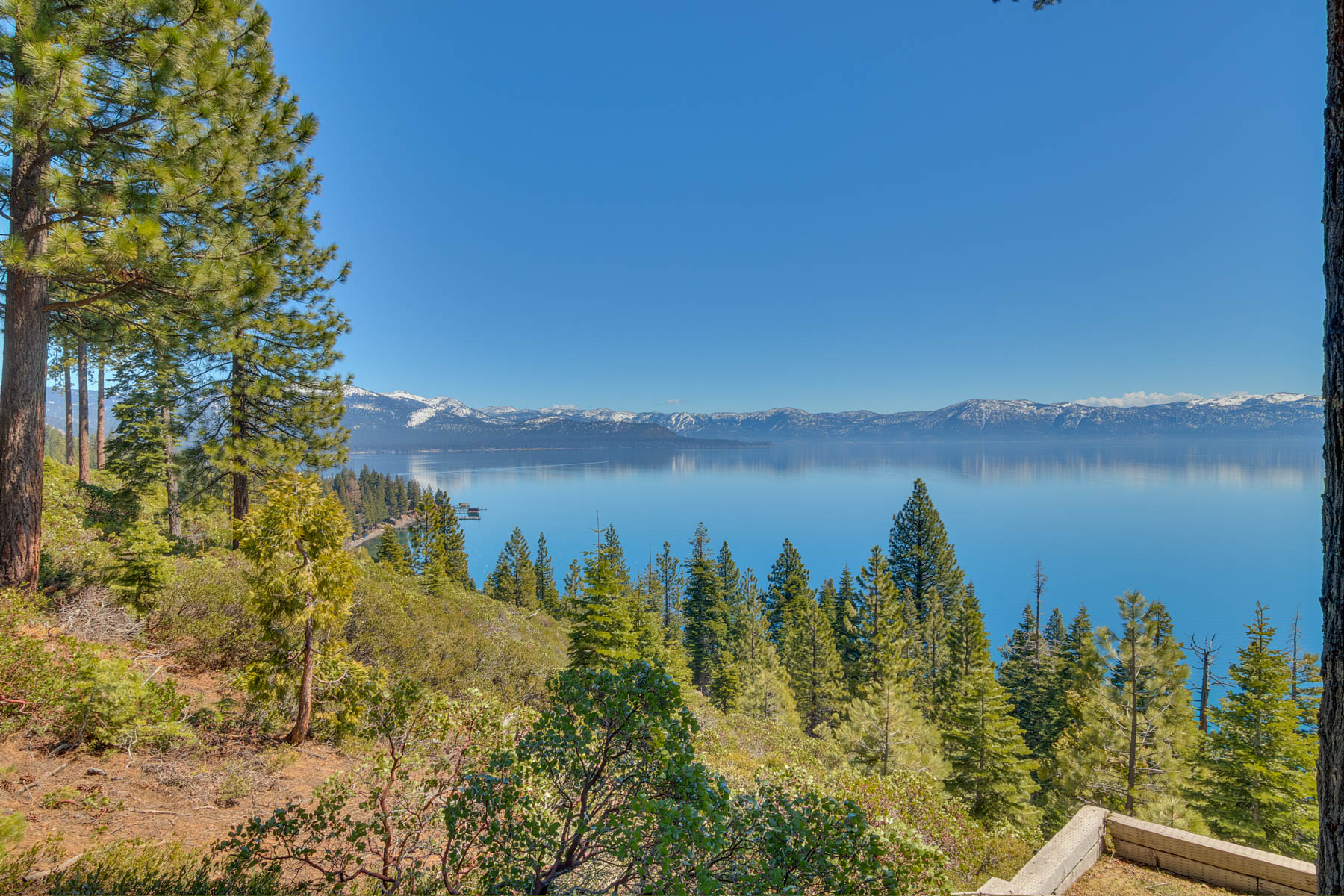 Additional photo for property listing at 488 Old County Road, Carnelian Bay, CA 96140 488 Old County Road Carnelian Bay, California 96140 United States