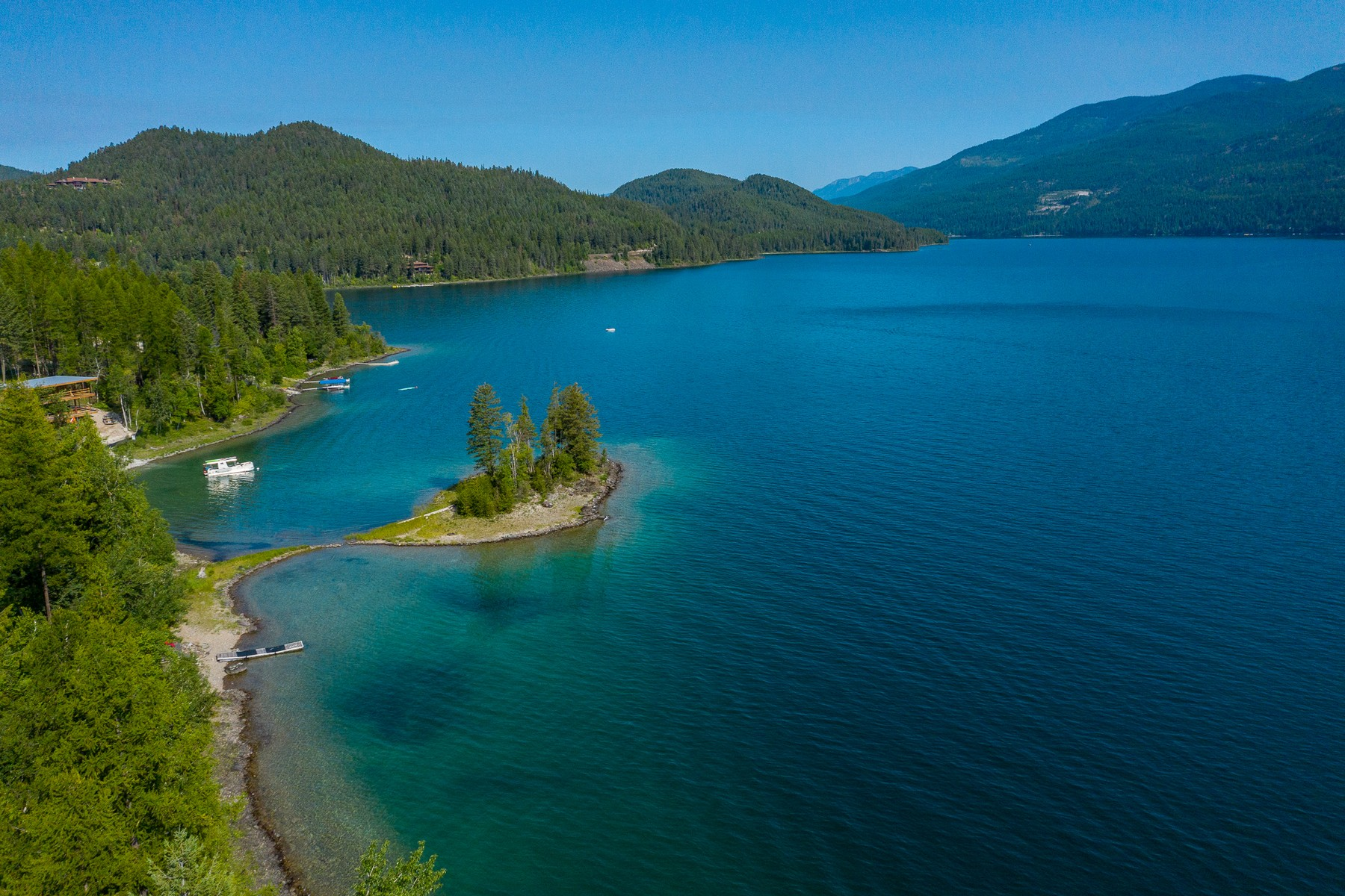 Land voor Verkoop op Whitefish Lake Waterfront with Private Island 511 Lm Beach Lane, Whitefish, Montana 59937 Verenigde Staten