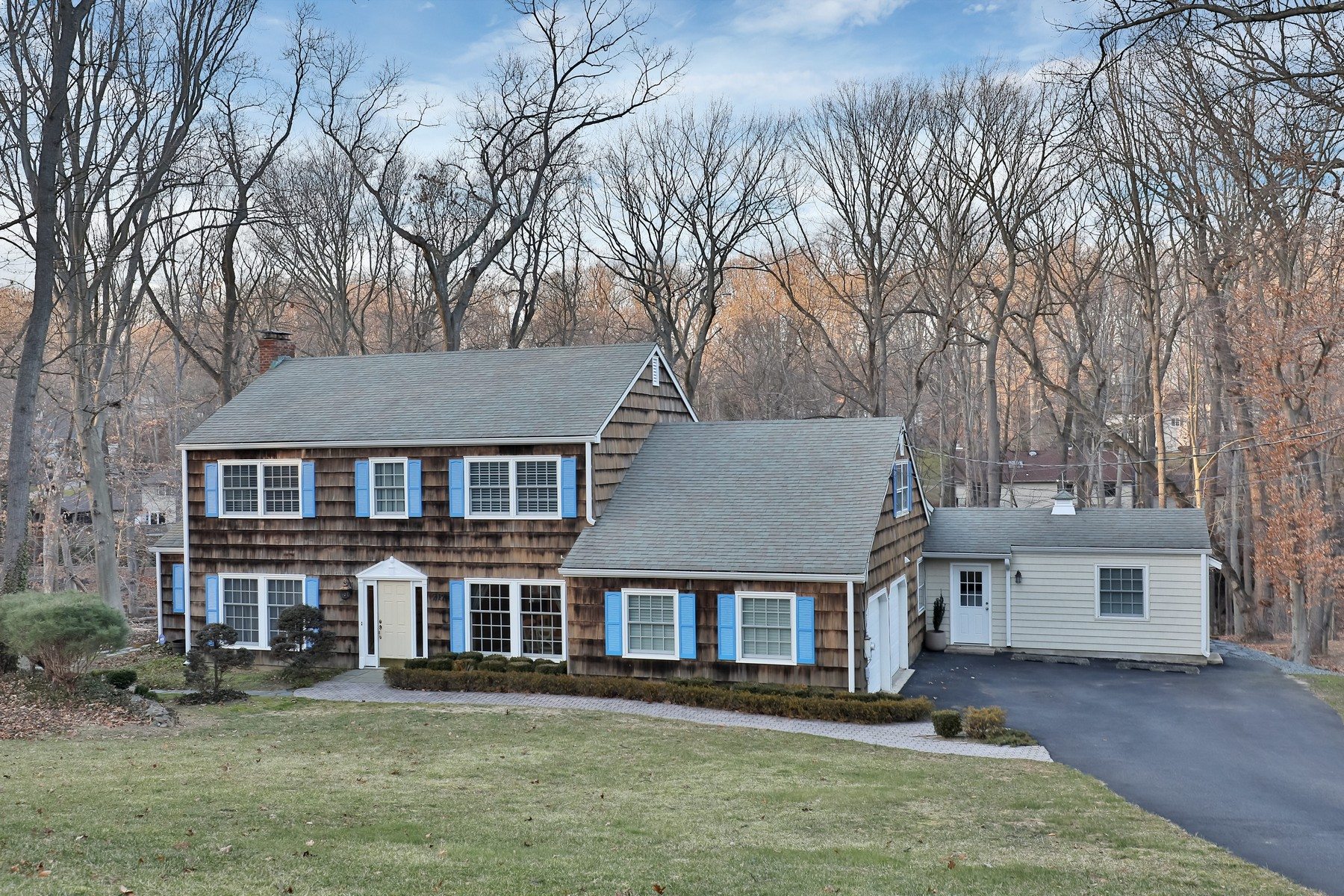 Single Family Home for Sale at Desirable Oak Hill 217 Pelican Rd Middletown, New Jersey, 07748 United States
