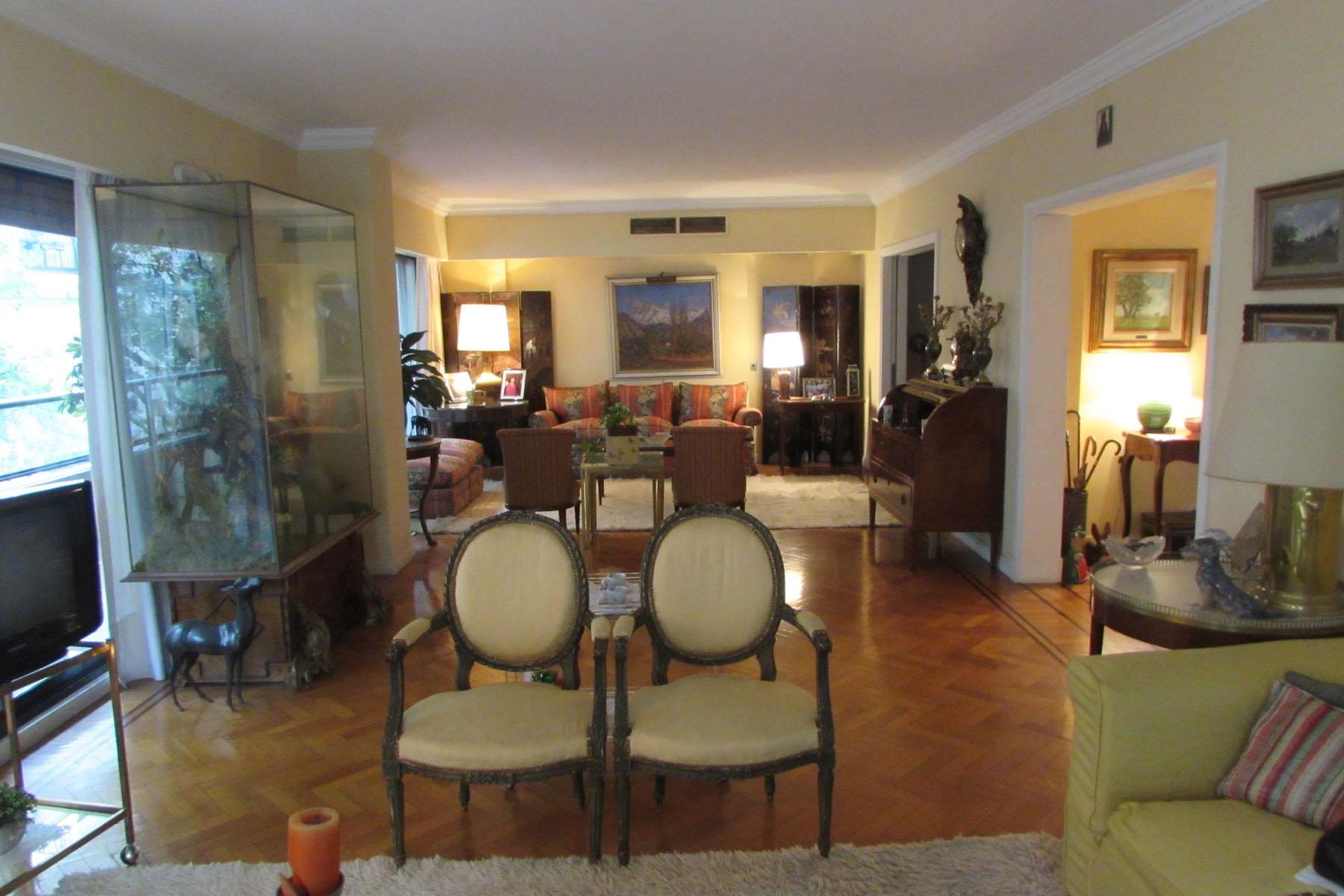 Wohnung für Verkauf beim Great apartment in Recoleta Avenida Alvear 1500 Buenos Aires, Buenos Aires, C1014AAP Argentinien
